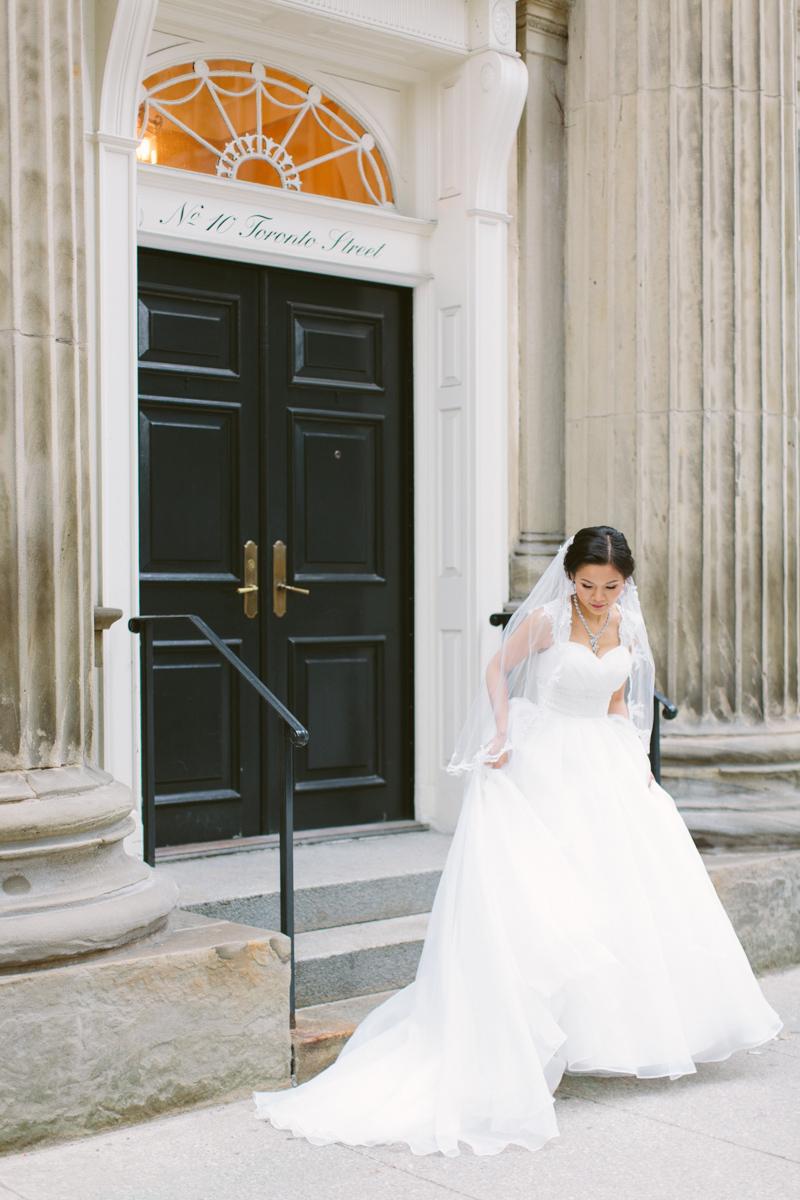 087-Melissa_Sung_Photography_Toronto_Wedding_Photographer_Cluny_Bistro_Distillery.jpg