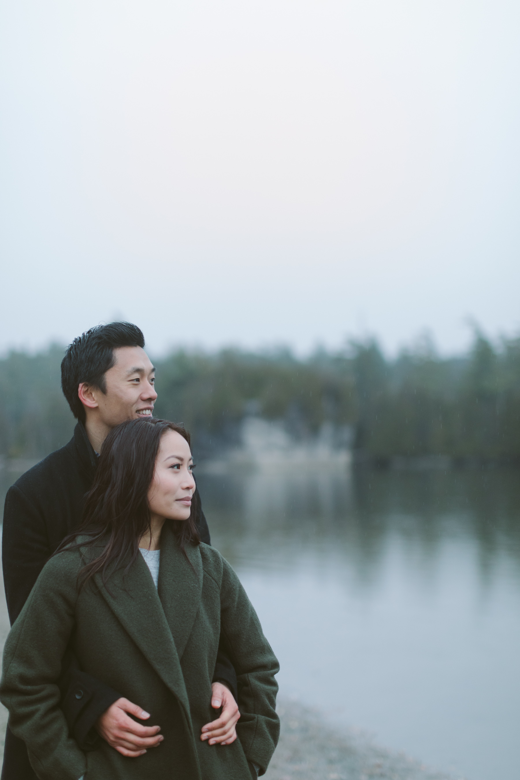 Rainy_Day_Engagement_Photos_Toronto_Wedding_Photographer_Melissa_Sung_Photography_0011.jpg