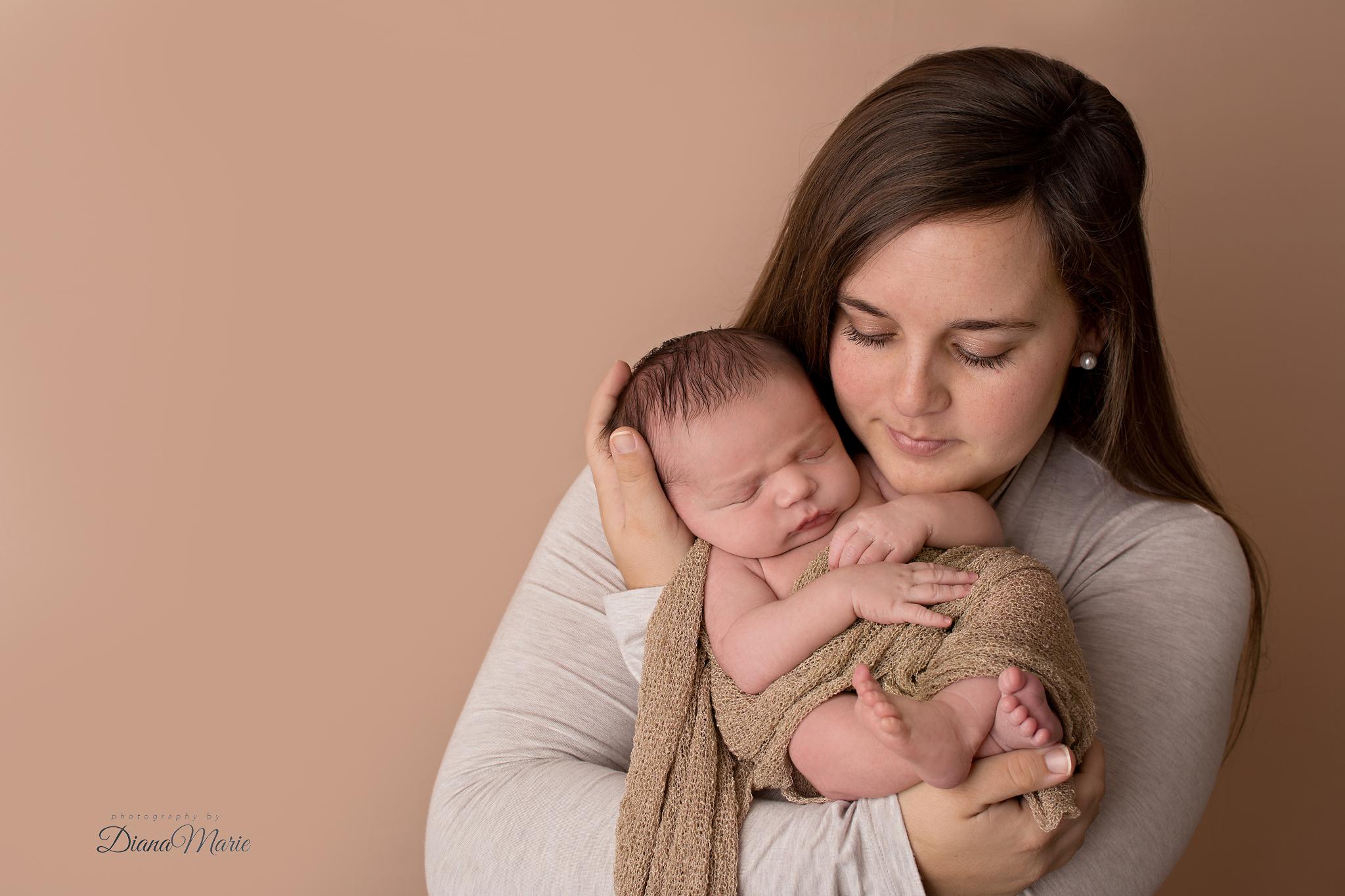 Titling/Alt Text/Description: 1. newborn photography jacksonville 2. mom and baby 3. saint augustine newborn photography 4. newborn photographer 5. baby 6. neutral colors newborn 7. Jacksonville photographer
