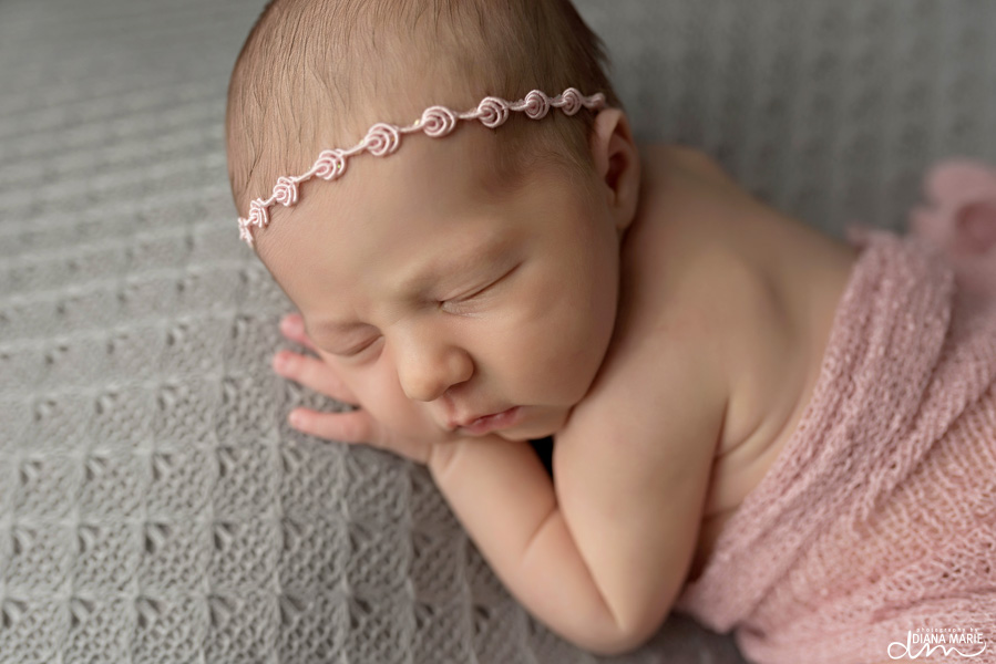Titling/Alt Text/Description: 1. newborn photography jacksonville 2. newborn taco pose 3. bum up pose 4. pink and gold session 5. baby toes 6. newborn photography