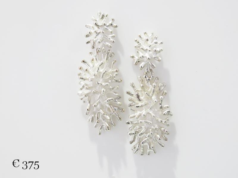koralen-oorhangers-dubbelgrootlang-zilver-6x800px.jpg