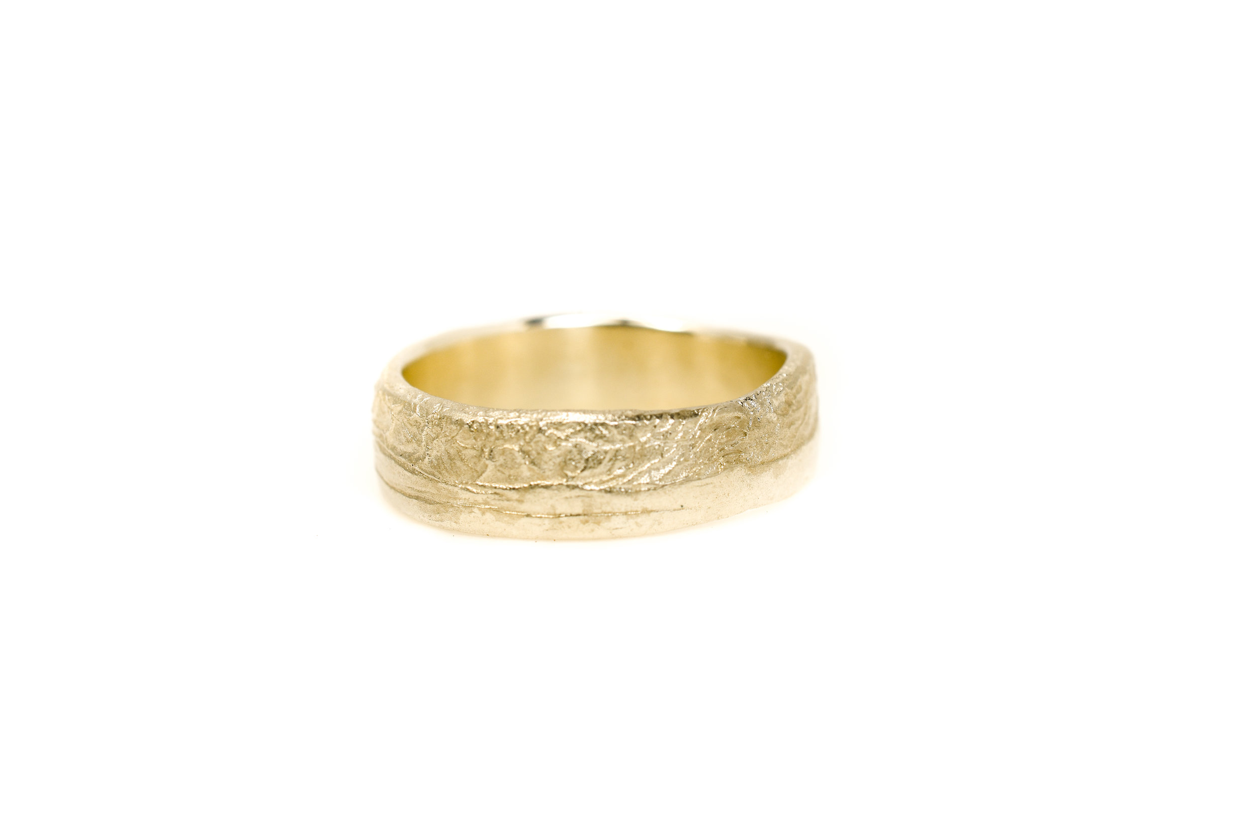 liesbethbusman-saagae-trouwringen-weddingrings--14 geel goud (1 van 1).jpg