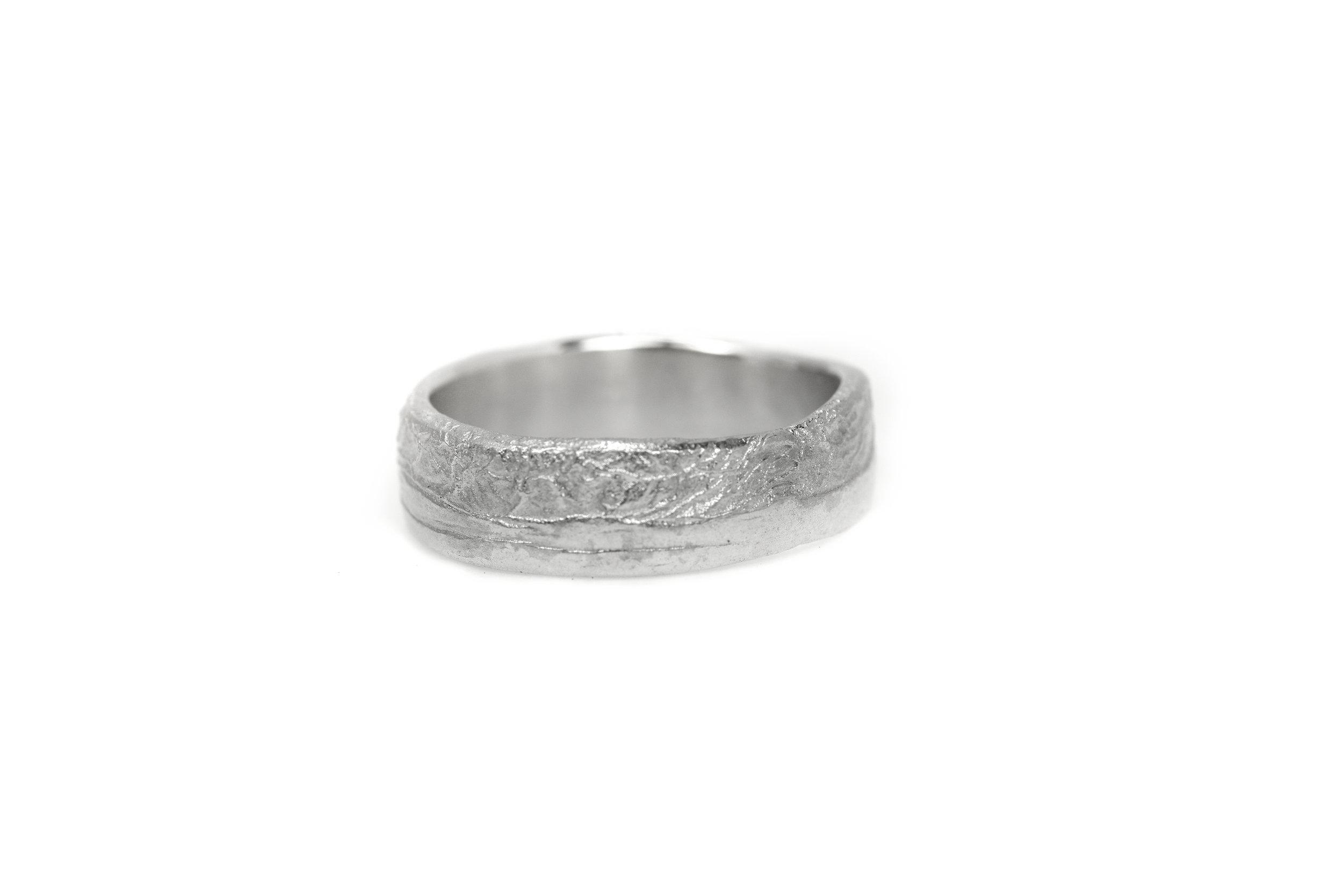 liesbethbusman-saagae-trouwringen-weddingrings--14 wit goud (1 van 1).jpg