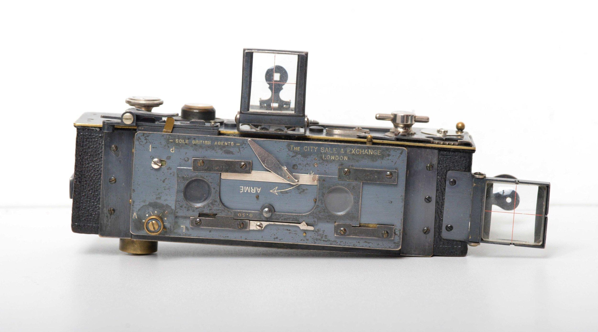 HOMEOS - Premier appareil photographique stéréoscopique sur film 35 mm (second modèle)Fabrication Jules Richard, France, c. 1920