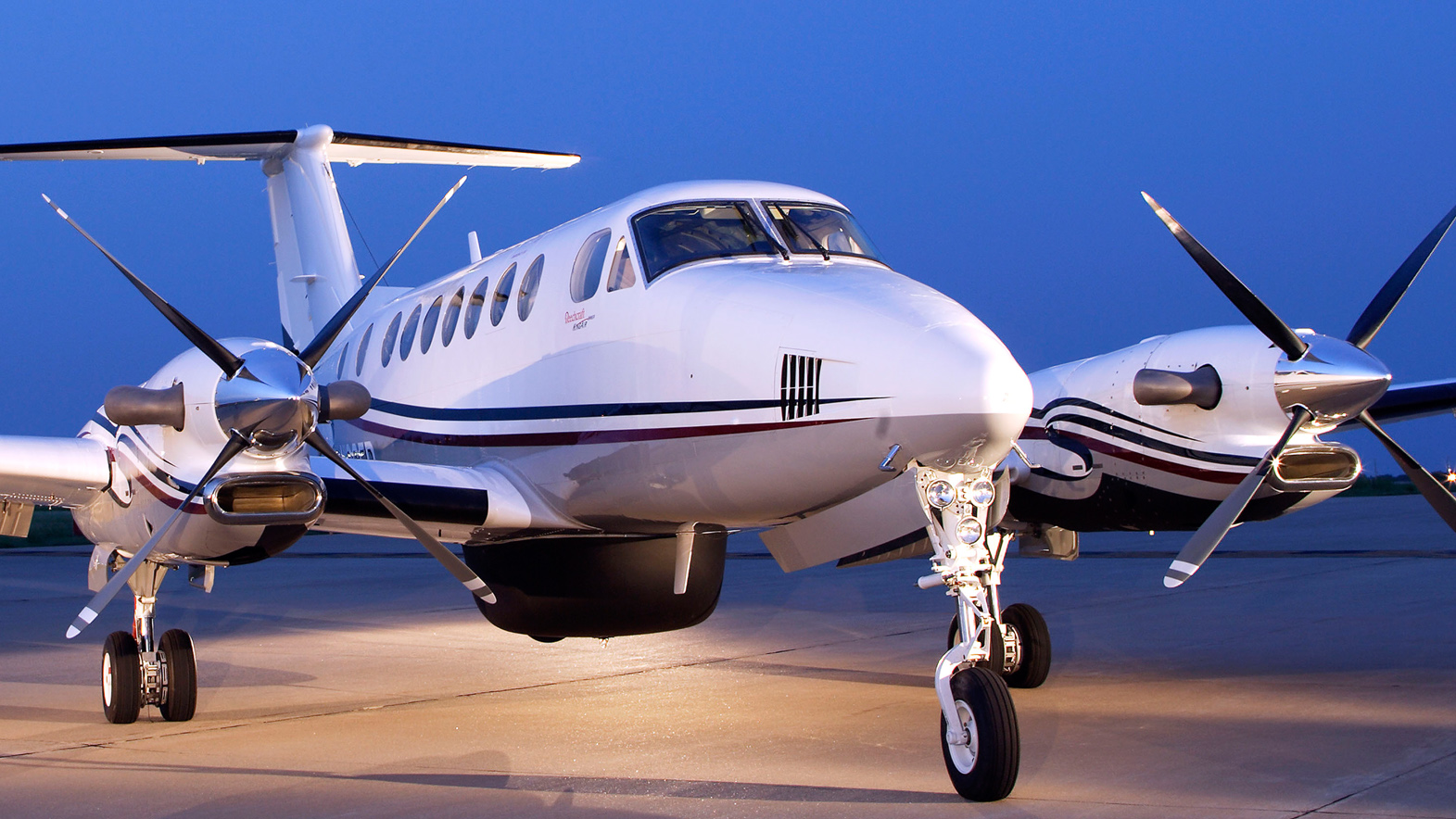 ROUNDTRIP PRIVATE JET AND HOTEL STAY IN LAS VEGAS for 7