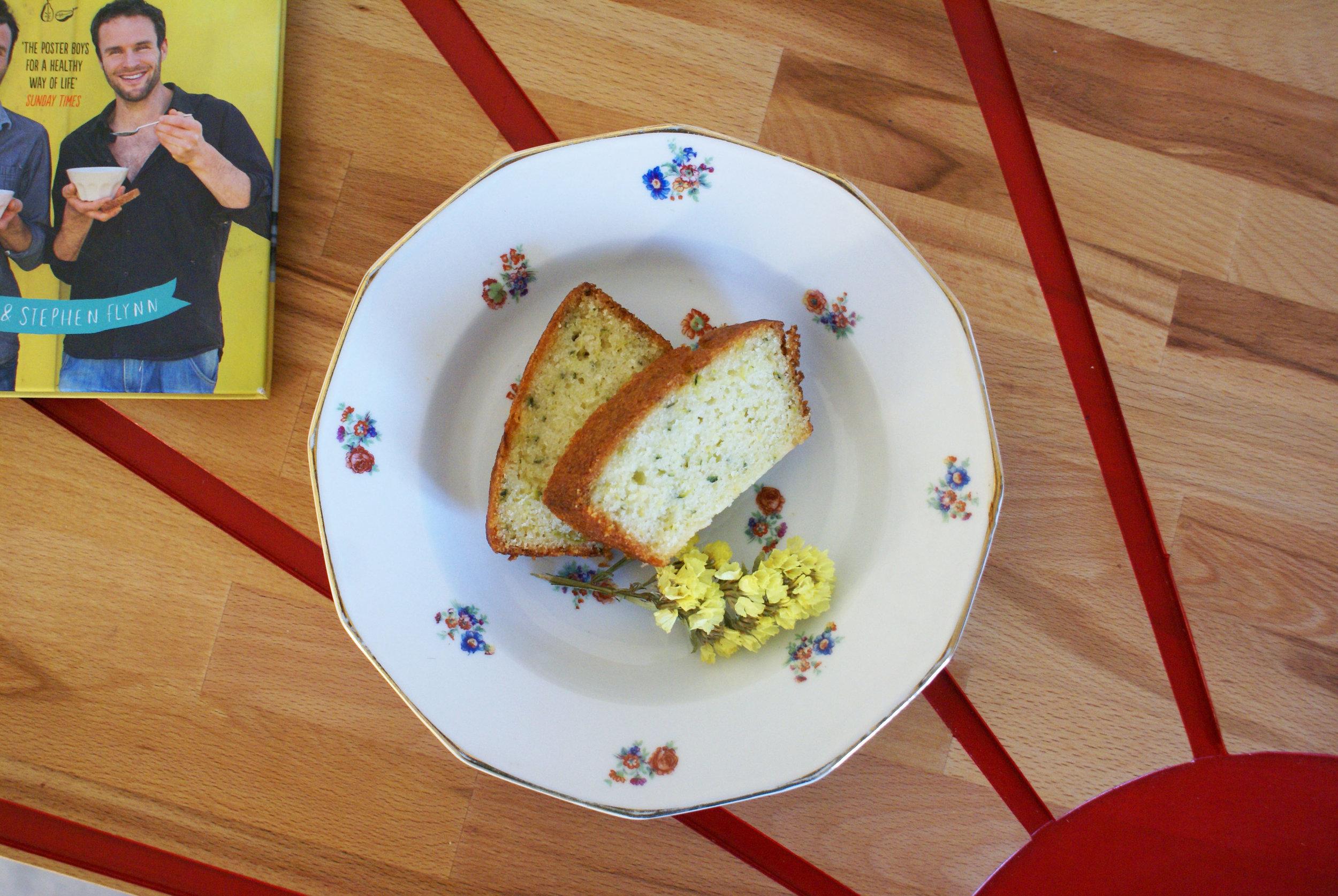 cake au citron topshot.jpg