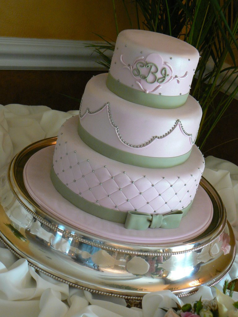 Simple Details Wedding Cake
