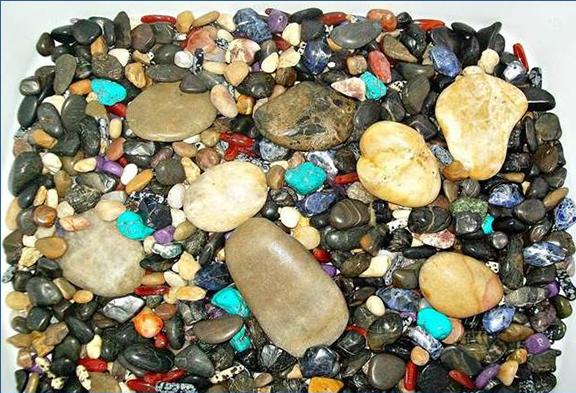 Minerals-Rocks-Bill Desmarais-edited.jpg