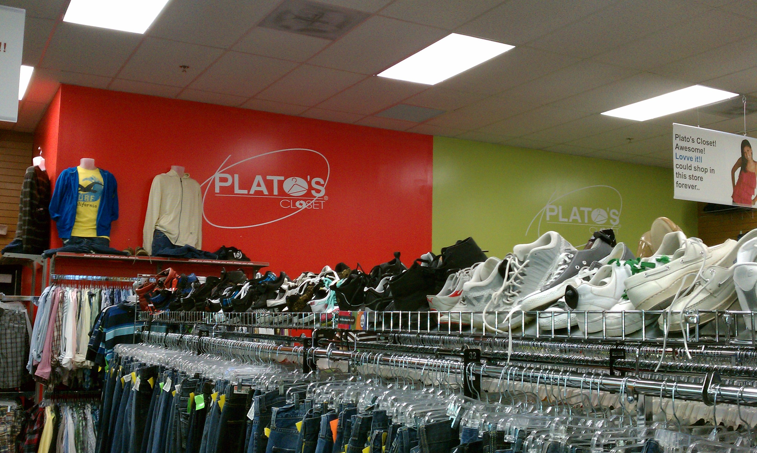 Plato's Closet, Jacksonville, FL   R&R Construction, INc.  Metal Framing Exterior Sheathing, Drywall, Acoustical Ceilings, Carpentry