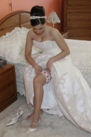 Choose the appropriate undergarments for your wedding dress