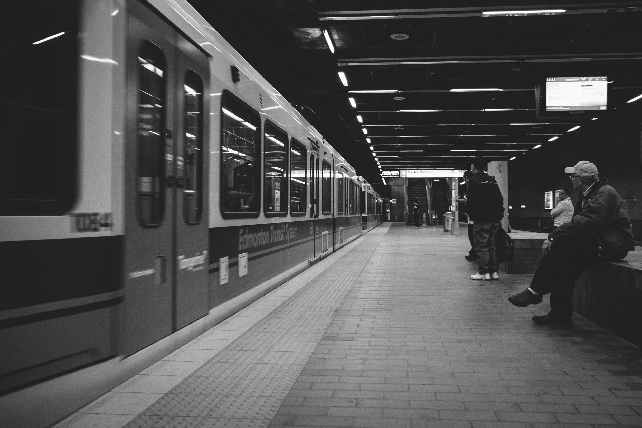 Down the Platform / Canon 7d