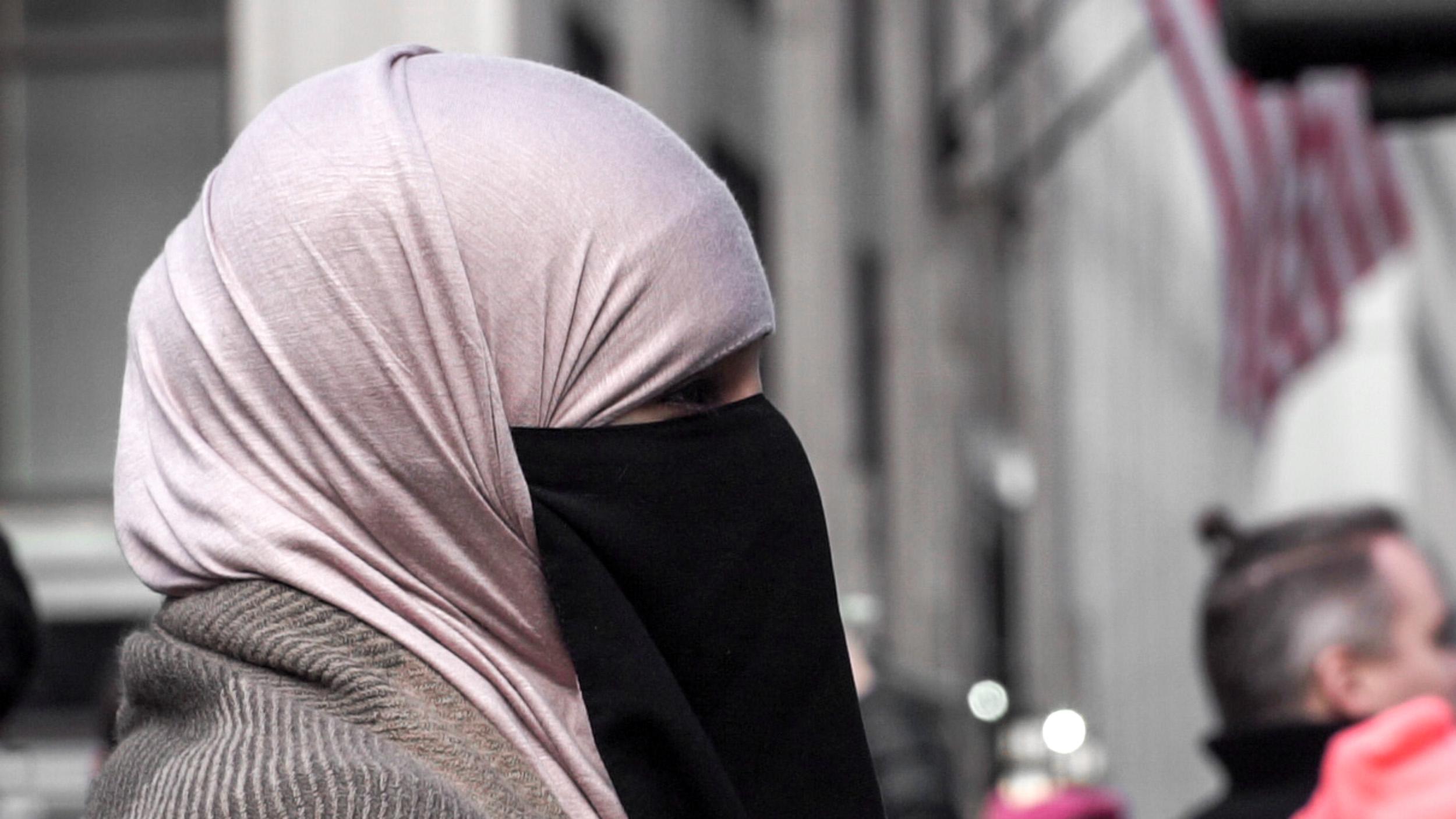 Muslim Woman in New York CIty, Jan 2017. Photo: Nicholas Whelan.