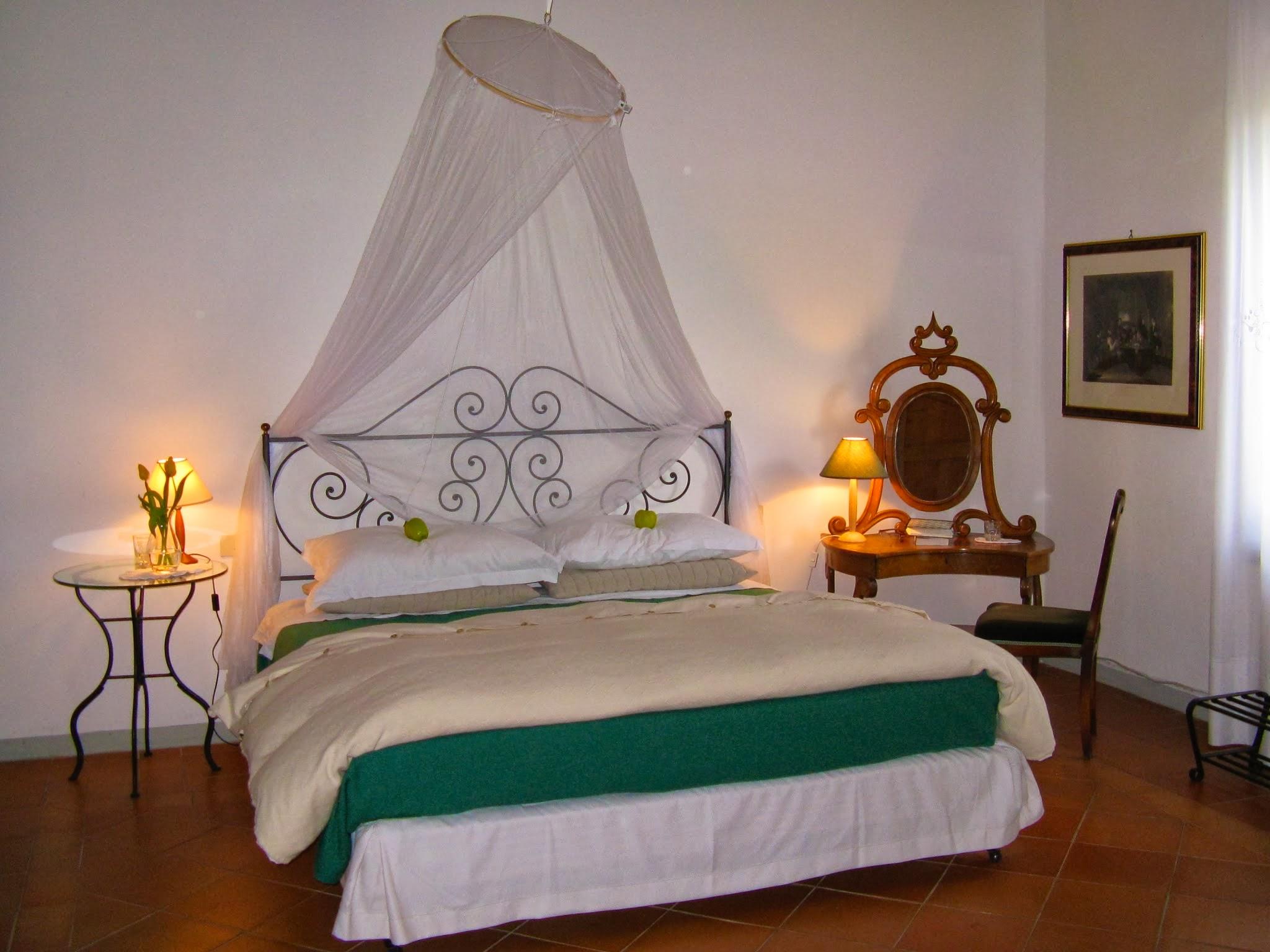 Villa Green Room.jpg
