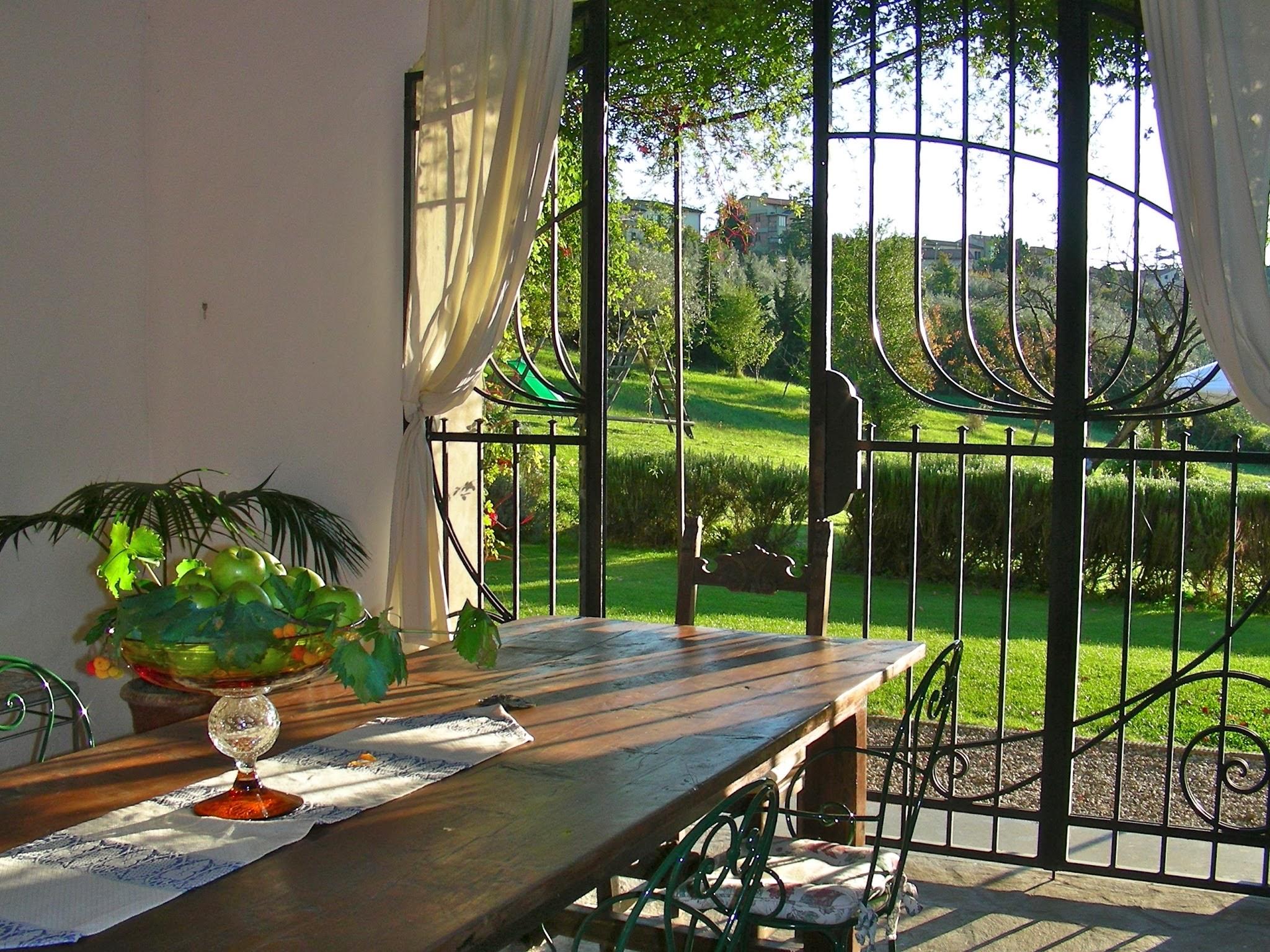 indoor-outdoor dining room 2.jpg