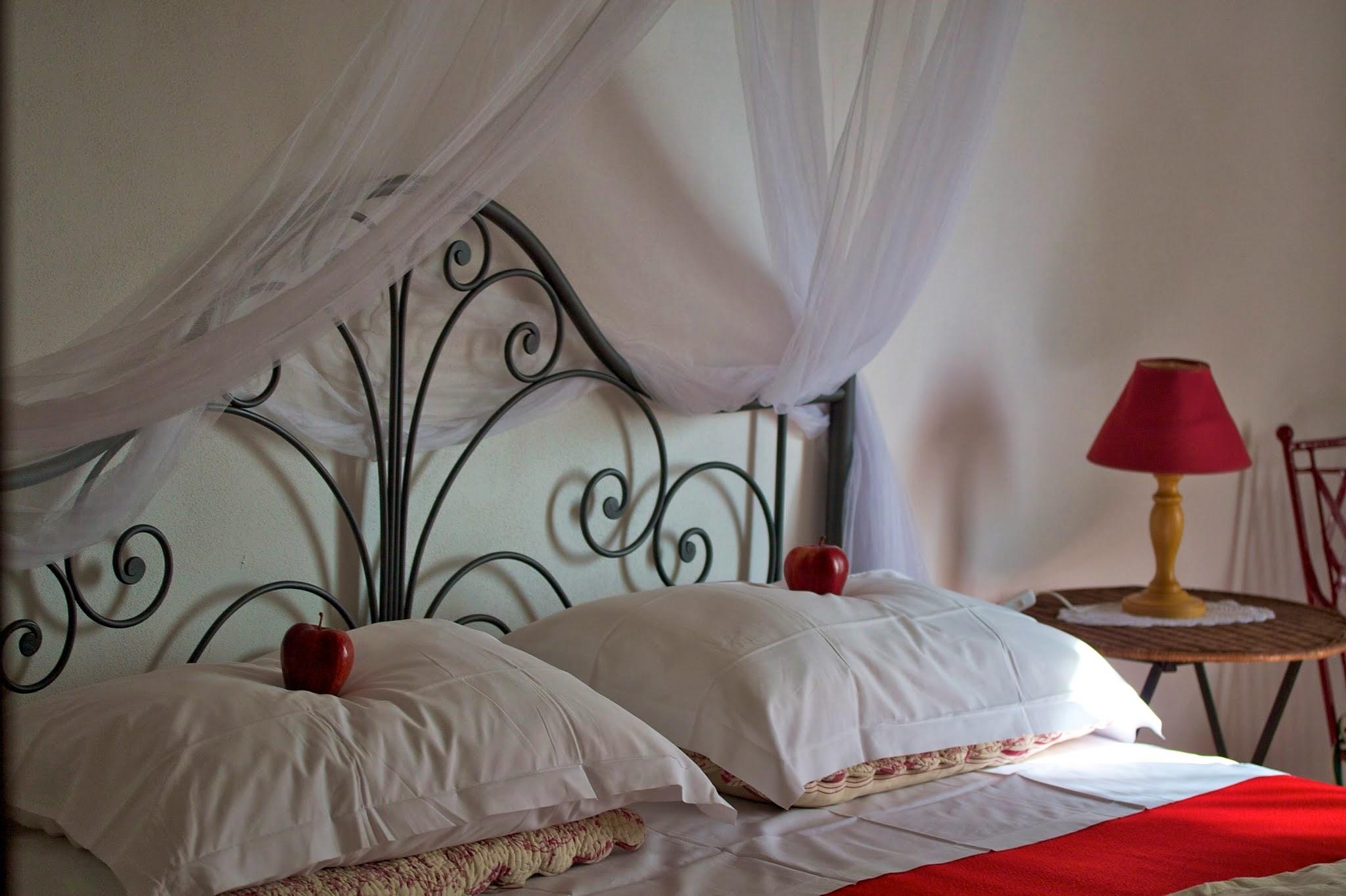Villa Red Room.jpg