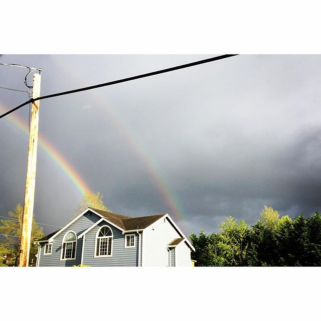 So here's my question. If it's a double rainbow does that mean there are two pots of gold? #rainbow #pnw #pnwspring