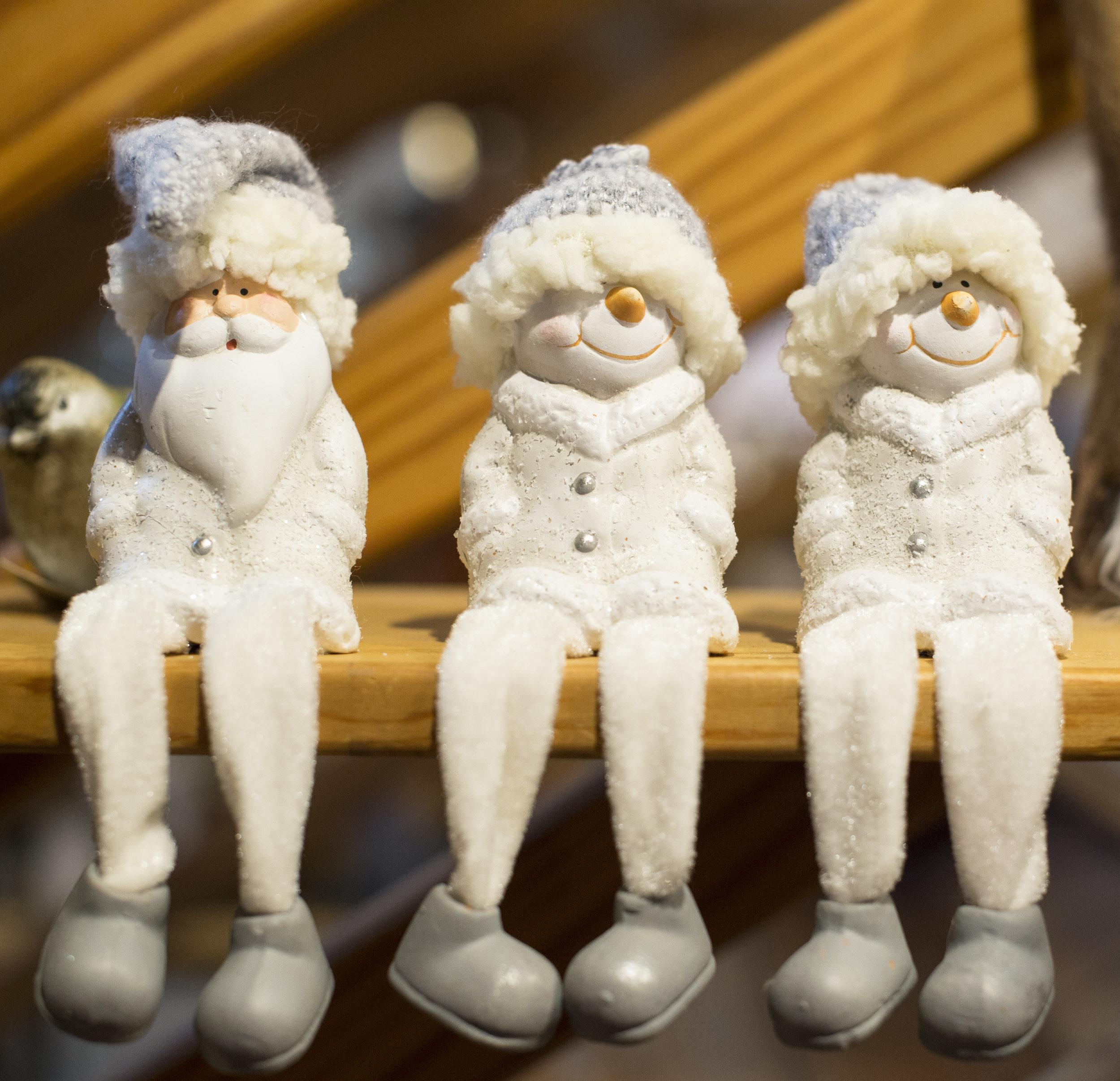 Durham_MorganImports_Snowmen&SantaSitting_12172016.jpg