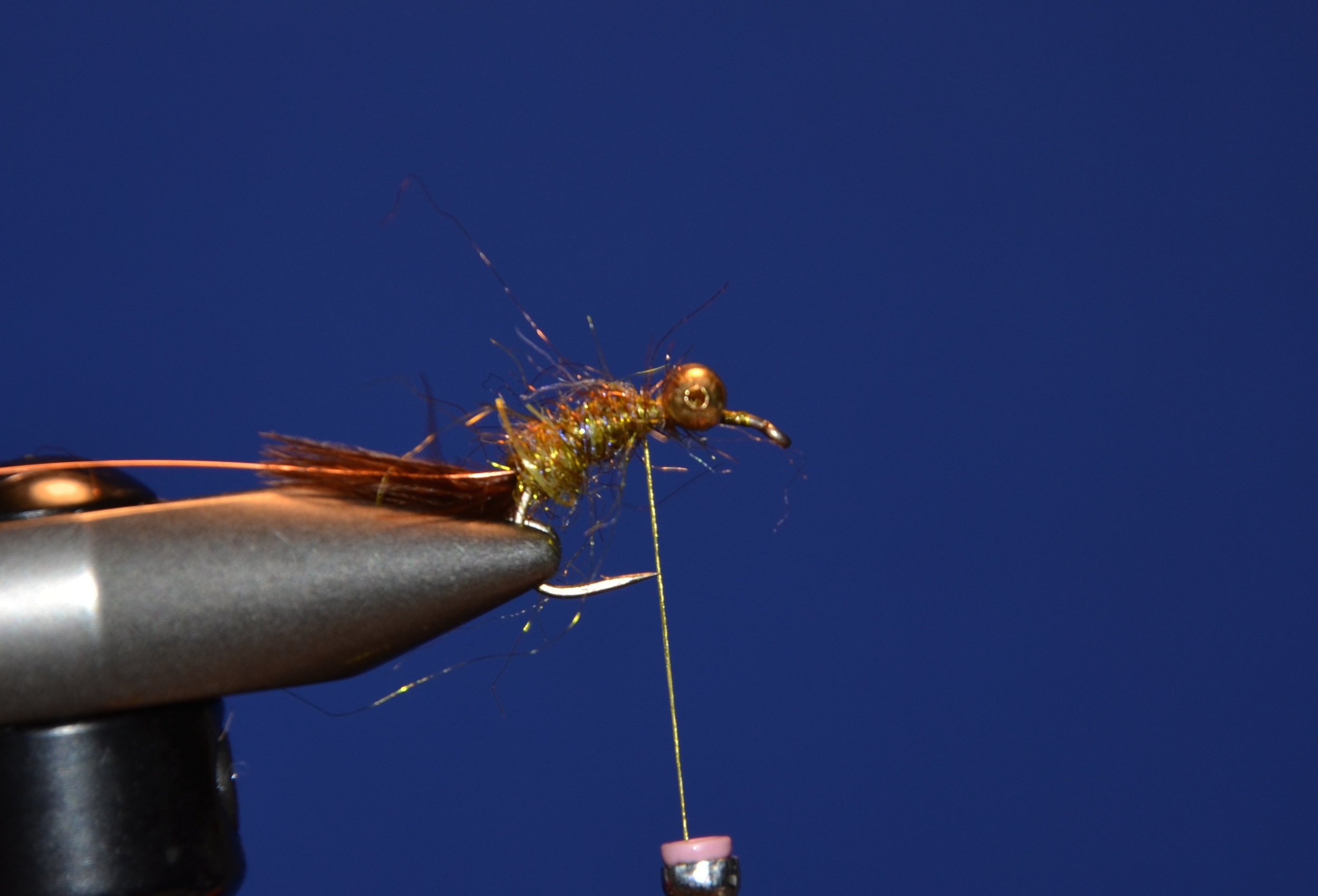 Tie in wire and dub body with Cohen's carp dub.