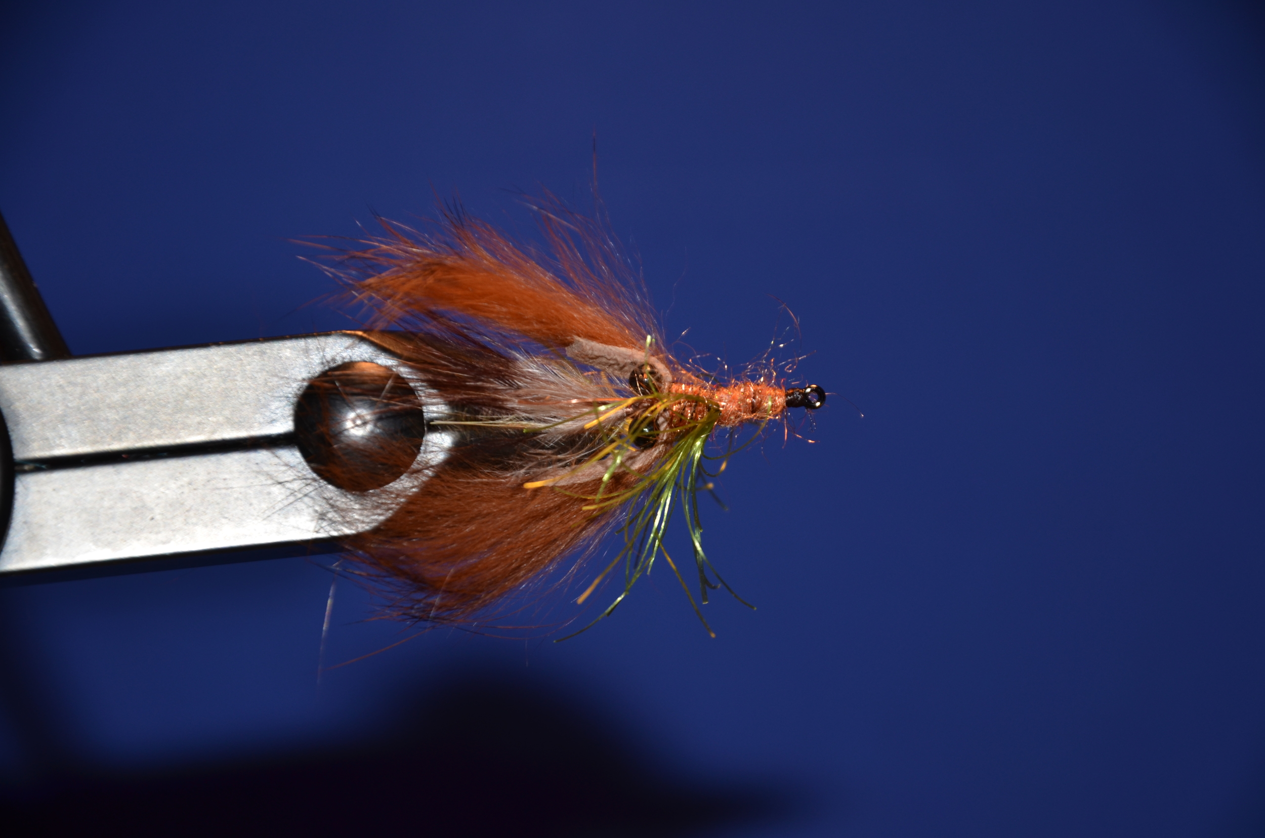 Finish out with the rusty carp dub. Whip finish and trim.