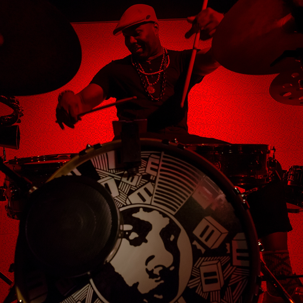 DARU JONES : (drummer, producer, music director) JACK WHITE, JAMIE LIDELL, BLACK MILK,