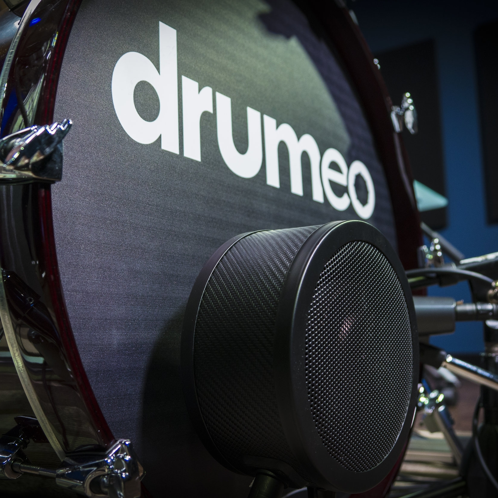 DRUMEO : (instructional website)  www.drumeo.com