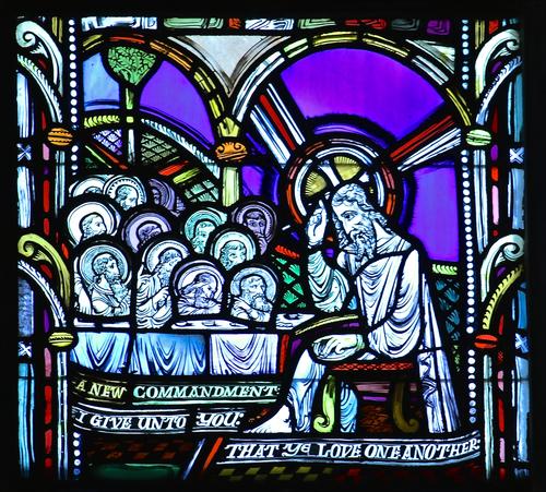 Jesus+issues+commandment+to+love+2.jpg