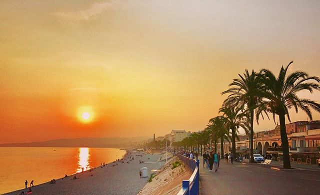 A gorgeous #summer #sunset! ... ... ... #nice #cotedazur #promenadedesanglais #france #europe #travel #travelgram #instatravel #picoftheday #photooftheday #bbctravel #lonelyplanet #condenasttraveler #travelandleisure #natgeotravel #natgeoyourshot #canvasblanche
