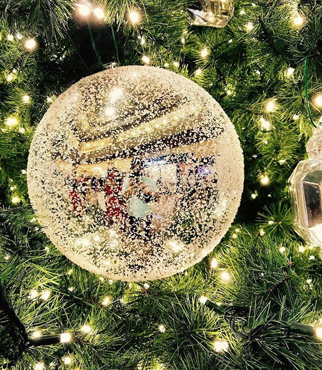 Merry Christmas! ... ... ... #christmas #xmas #christmaseve #tiffany #singapore #takashimaya #holidays #travel #travelgram #instatravel #photooftheday #picoftheday #photography #travelphotography