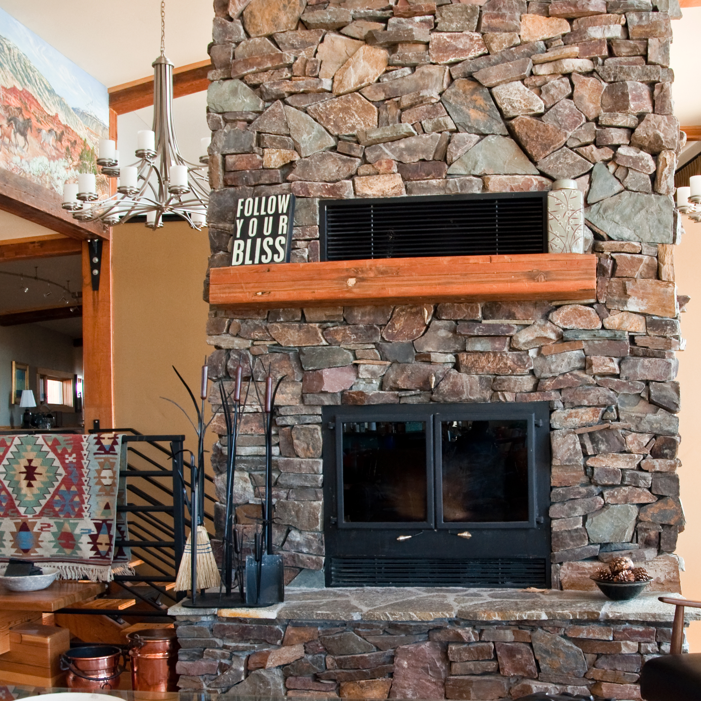 fireplace zoom.jpg