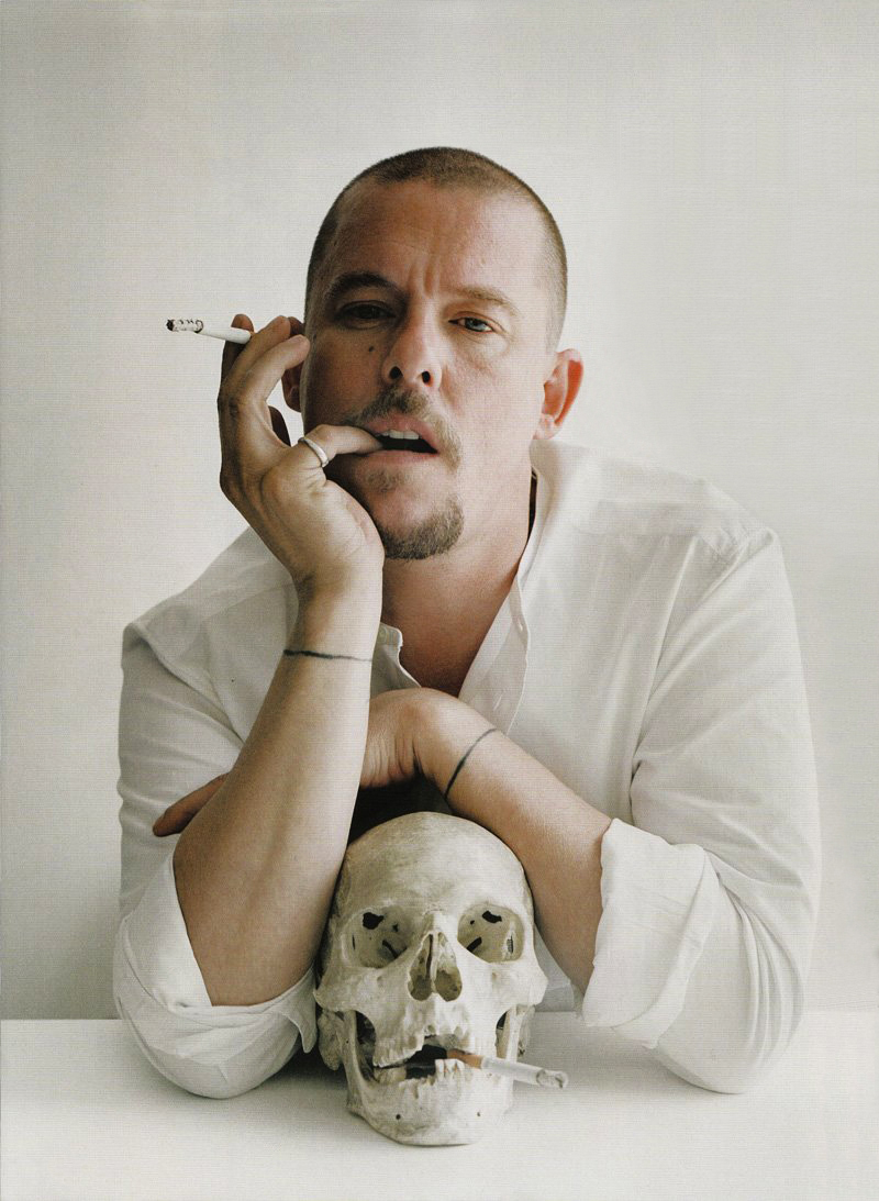 IMAGE SOURCE : http://paowmagazine.com/alexander-mcqueen/