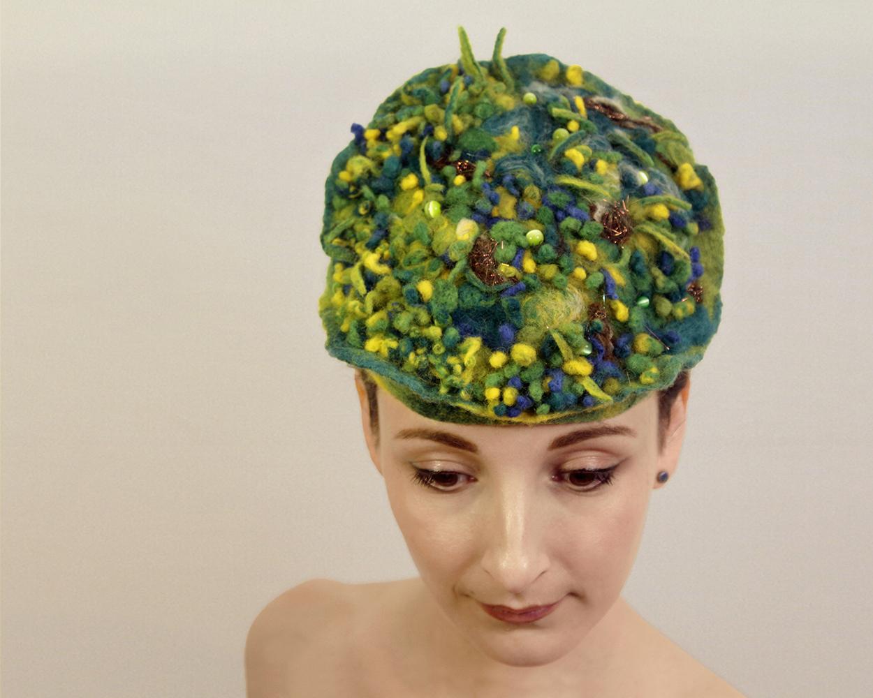 Moss Hat 04.jpg