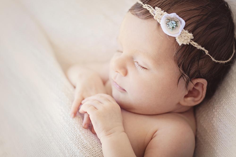 Auckland newborn portraits.jpg