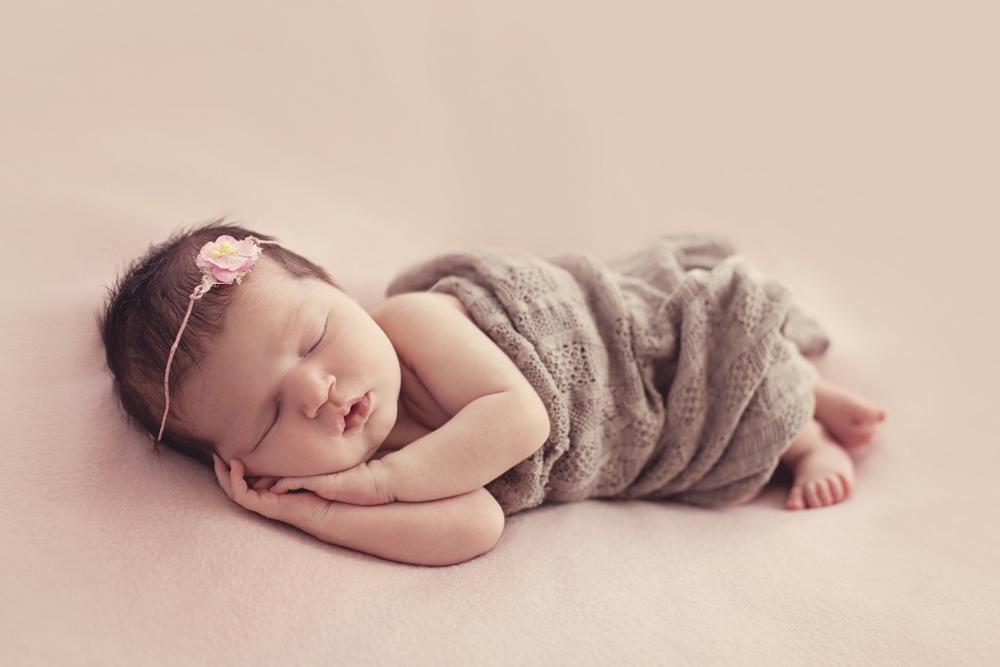 newborn family photos auckland.jpg