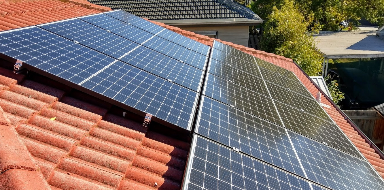 Melbourne Rooftop Solar panels photo.jpg