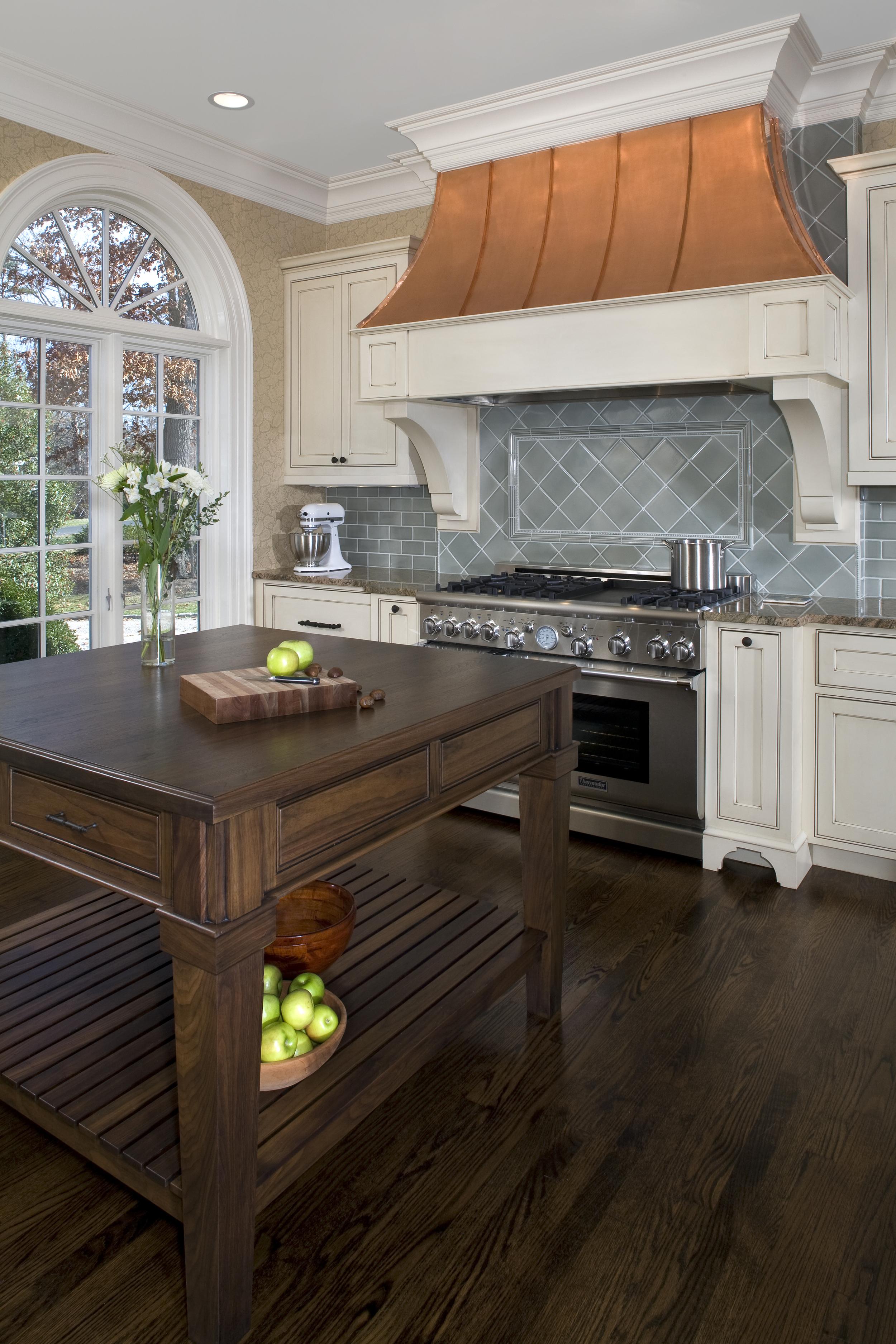 FLC_Kitchen_Detail_Vert-1.jpg
