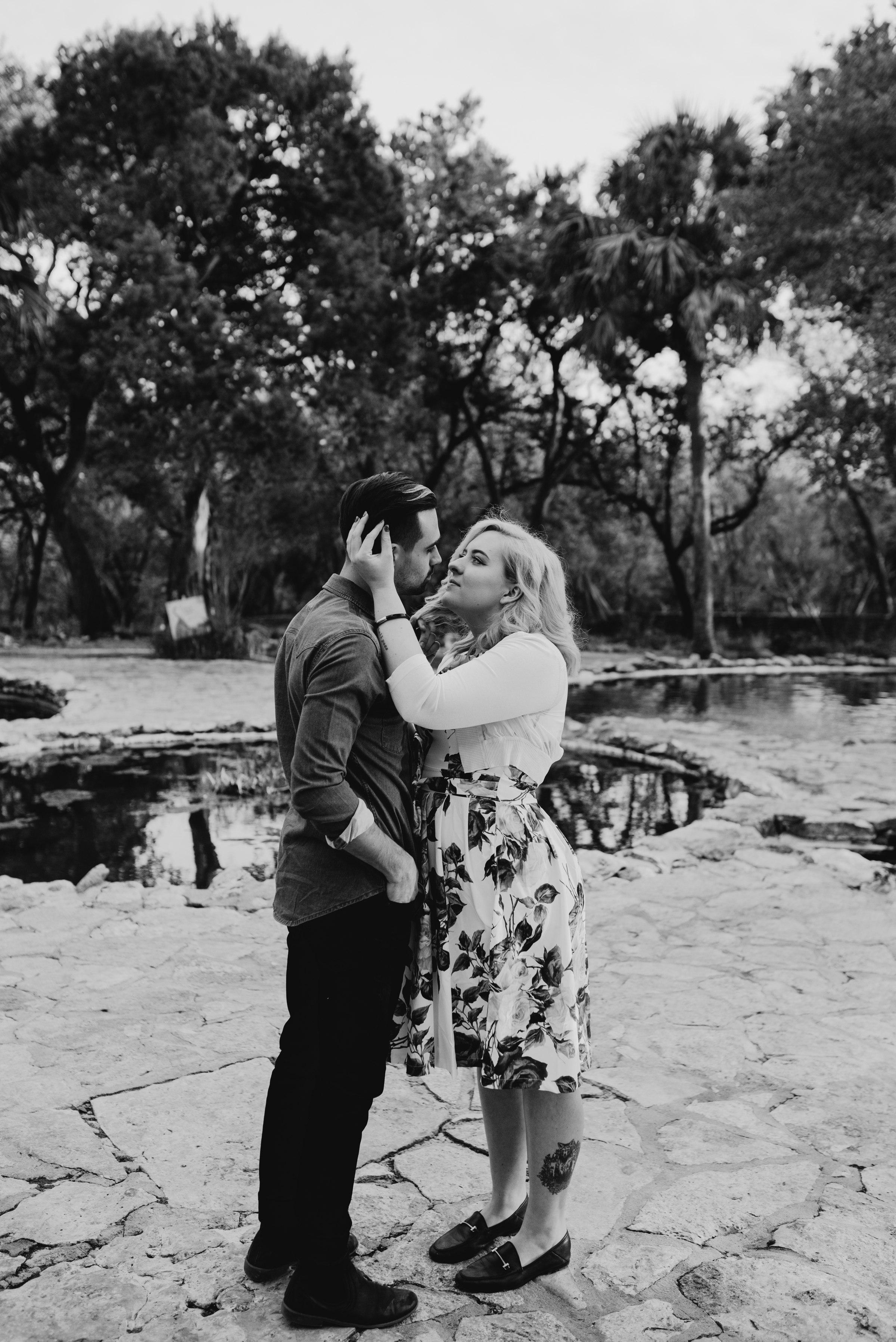 drew-andrew-texas-austin-minnesota-minneapolis-wedding-photographer-destination-elopement-intimate-adventurous_0082.jpg