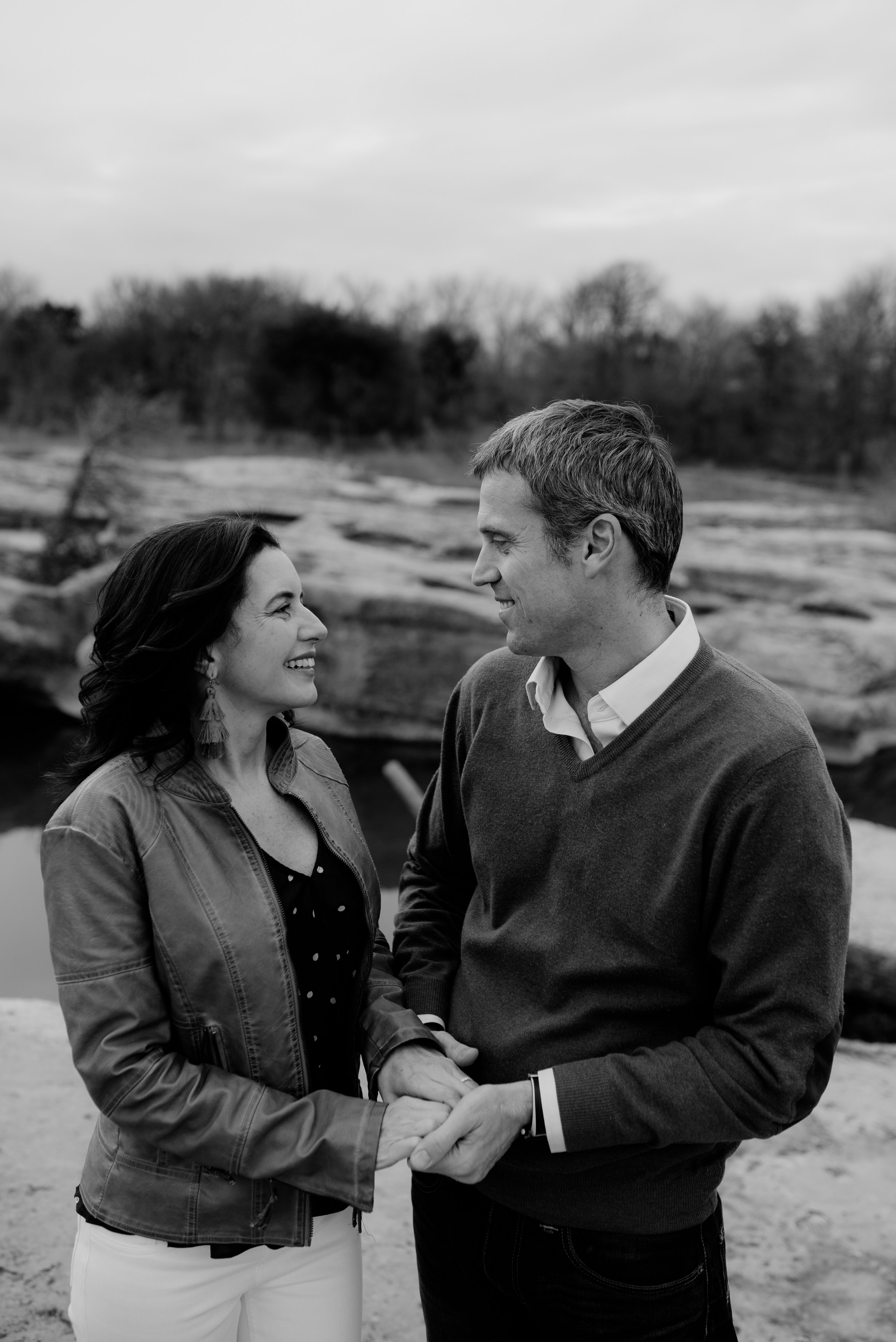 austin-mckinney-falls-engagement-photographer-elopement-prices-best-headshot-senior-adventurous-italy-minneapolis-texas-minnesota-dallas-houston-tulum-mexico_0035.jpg