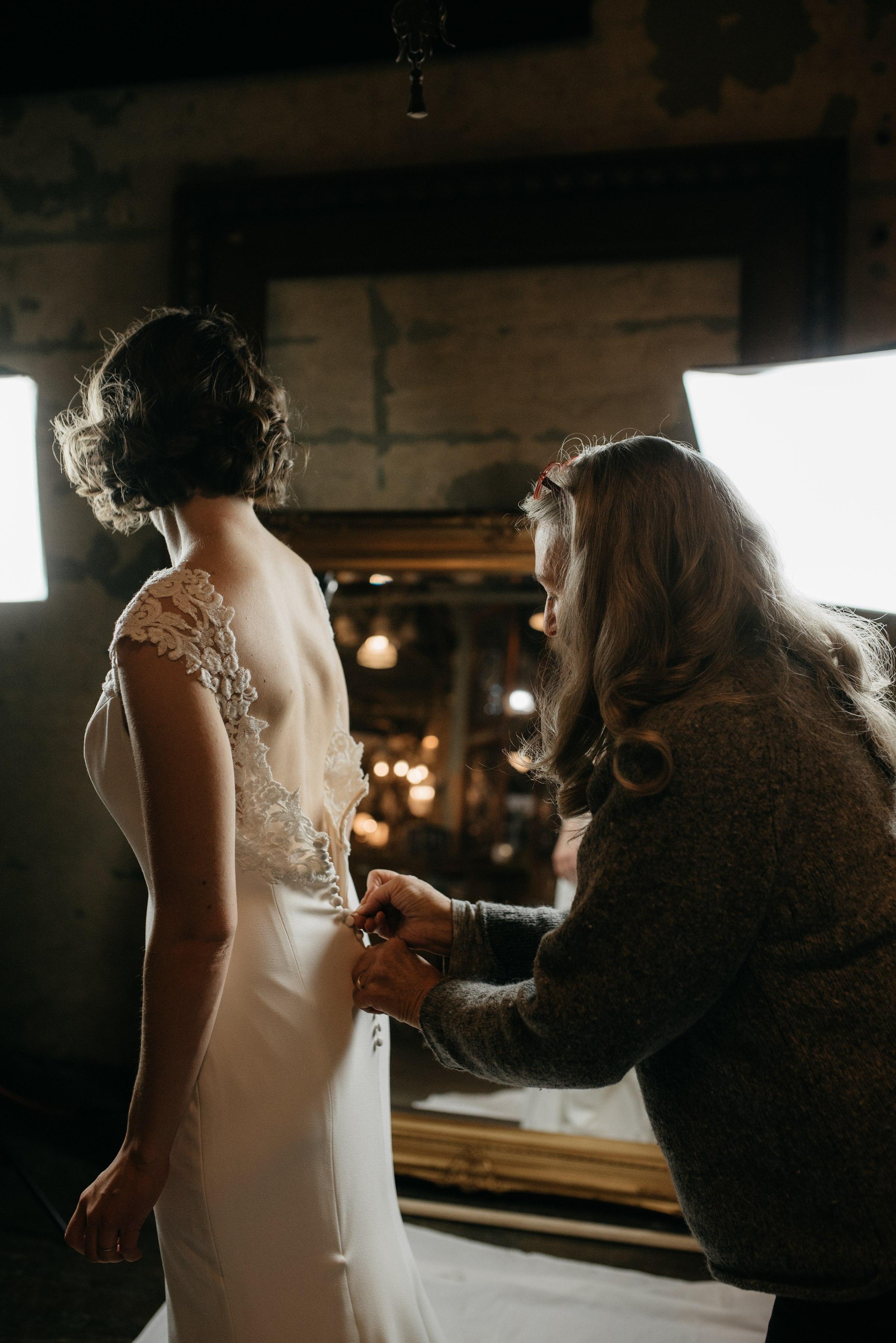 best-elopement-austin-minneapolis-northeast-adventurous-wedding-warehouse-modern-loft-moroccan_0024.jpg