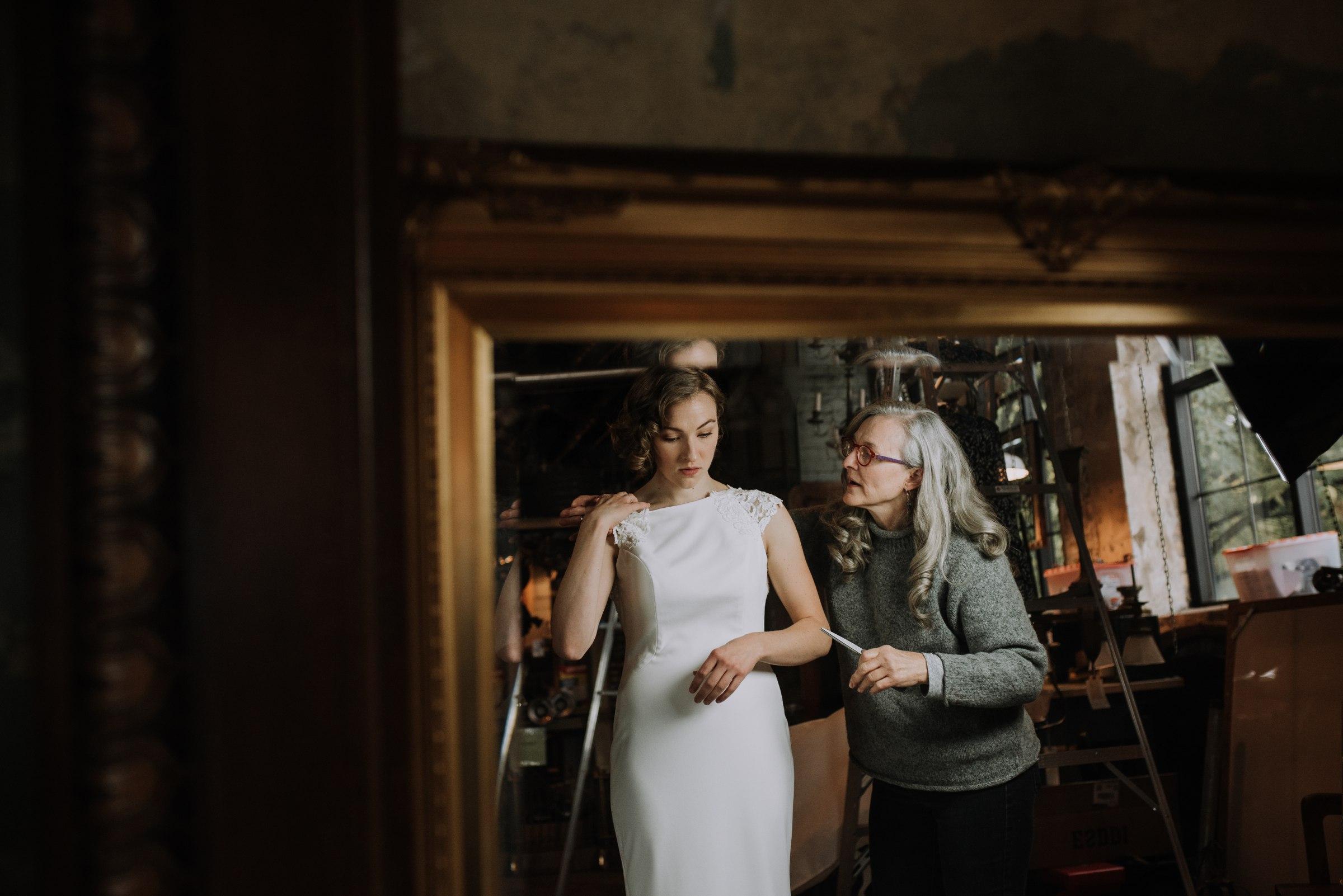 best-elopement-austin-minneapolis-northeast-adventurous-wedding-warehouse-modern-loft-moroccan_0026.jpg