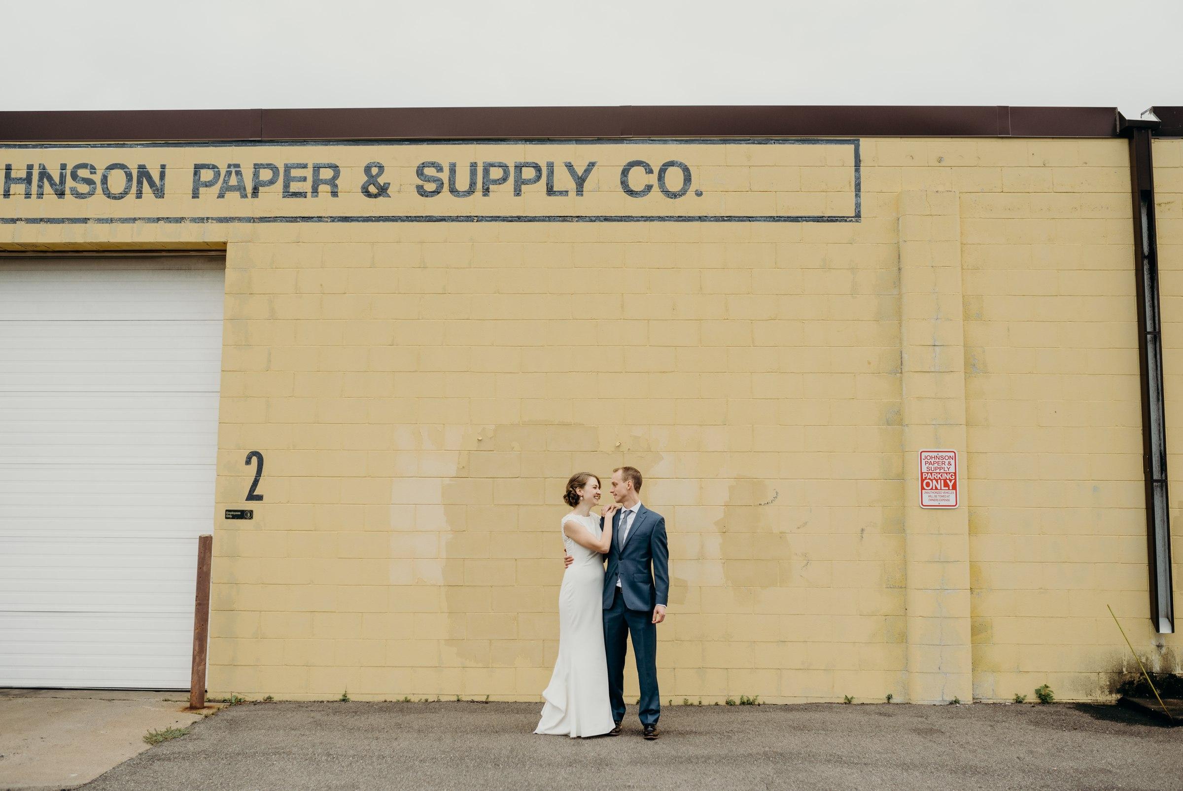 best-elopement-austin-minneapolis-northeast-adventurous-wedding-warehouse-modern-loft-moroccan_0041.jpg