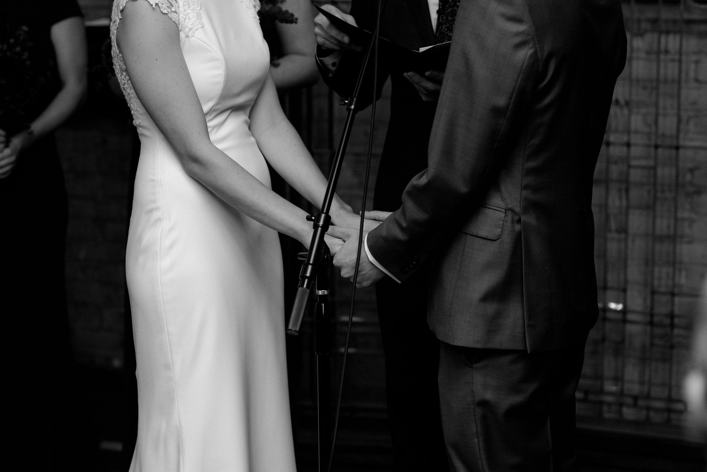 best-elopement-austin-minneapolis-northeast-adventurous-wedding-warehouse-modern-loft-moroccan_0076.jpg