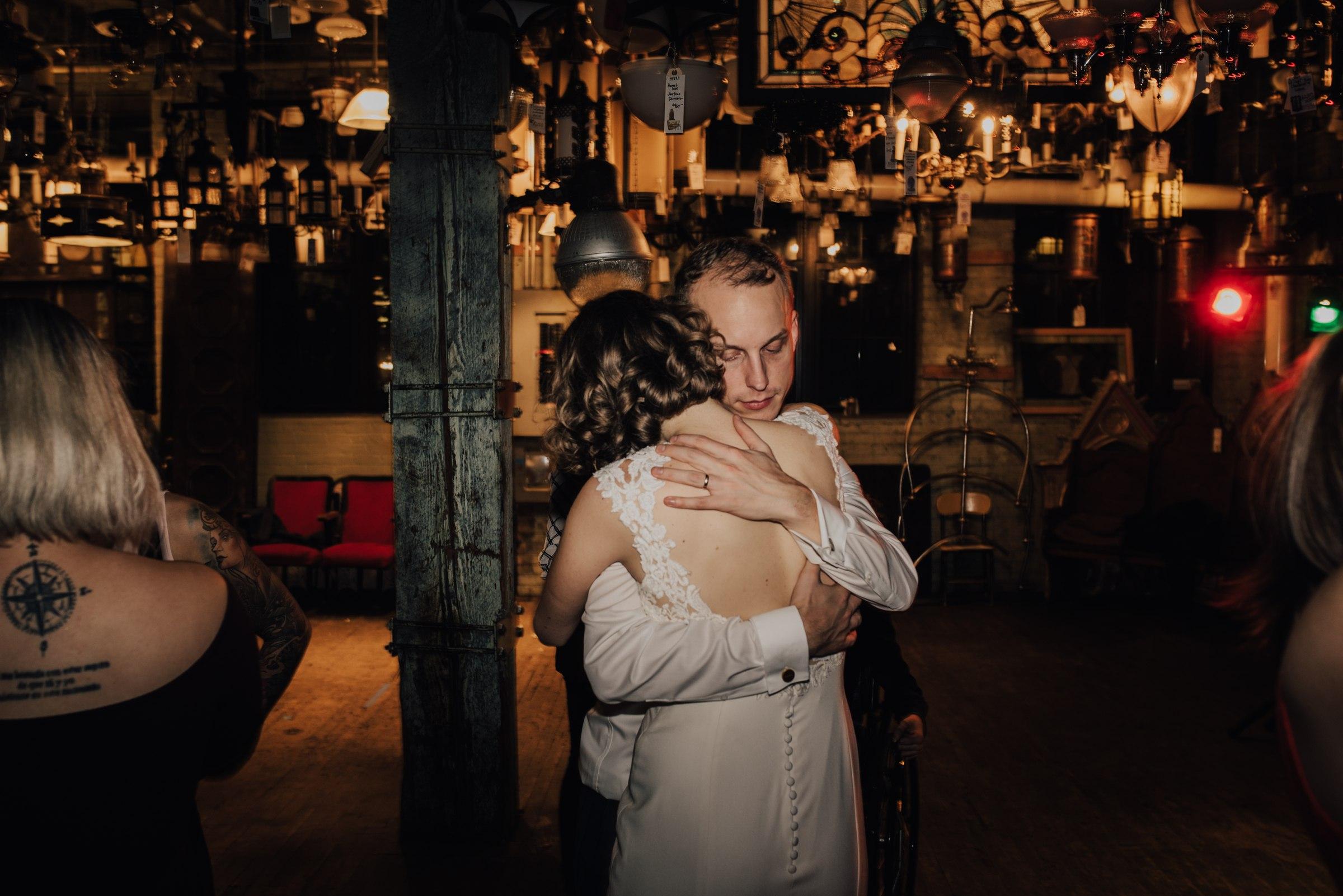 best-elopement-austin-minneapolis-northeast-adventurous-wedding-warehouse-modern-loft-moroccan_0119.jpg