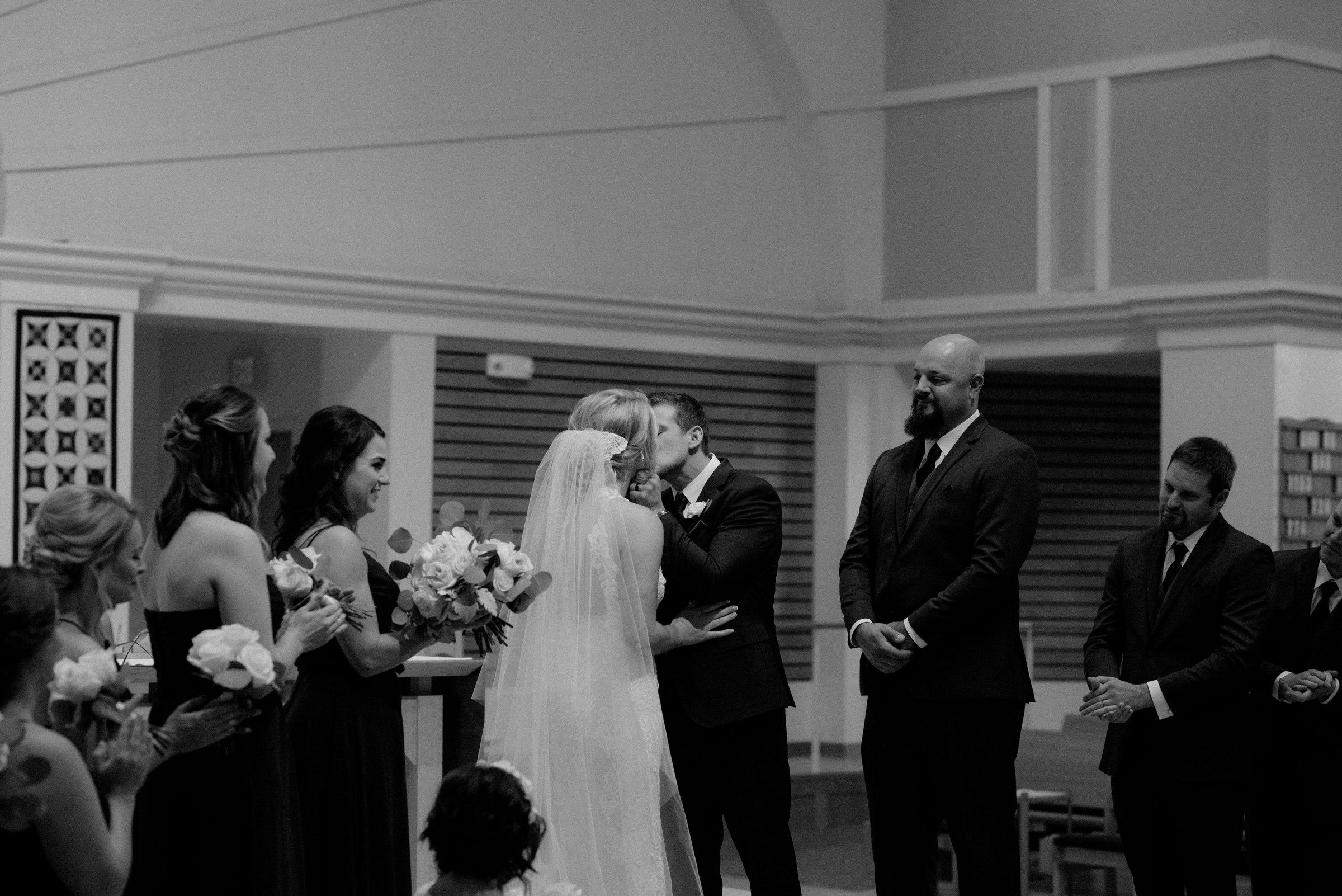 elopement-photographer-austin-best-wedding-minneapolis-adventurous-wedding-modern-morocco-new york-new orleans-mexica-costa rica-italy-affordable-best_0053.jpg