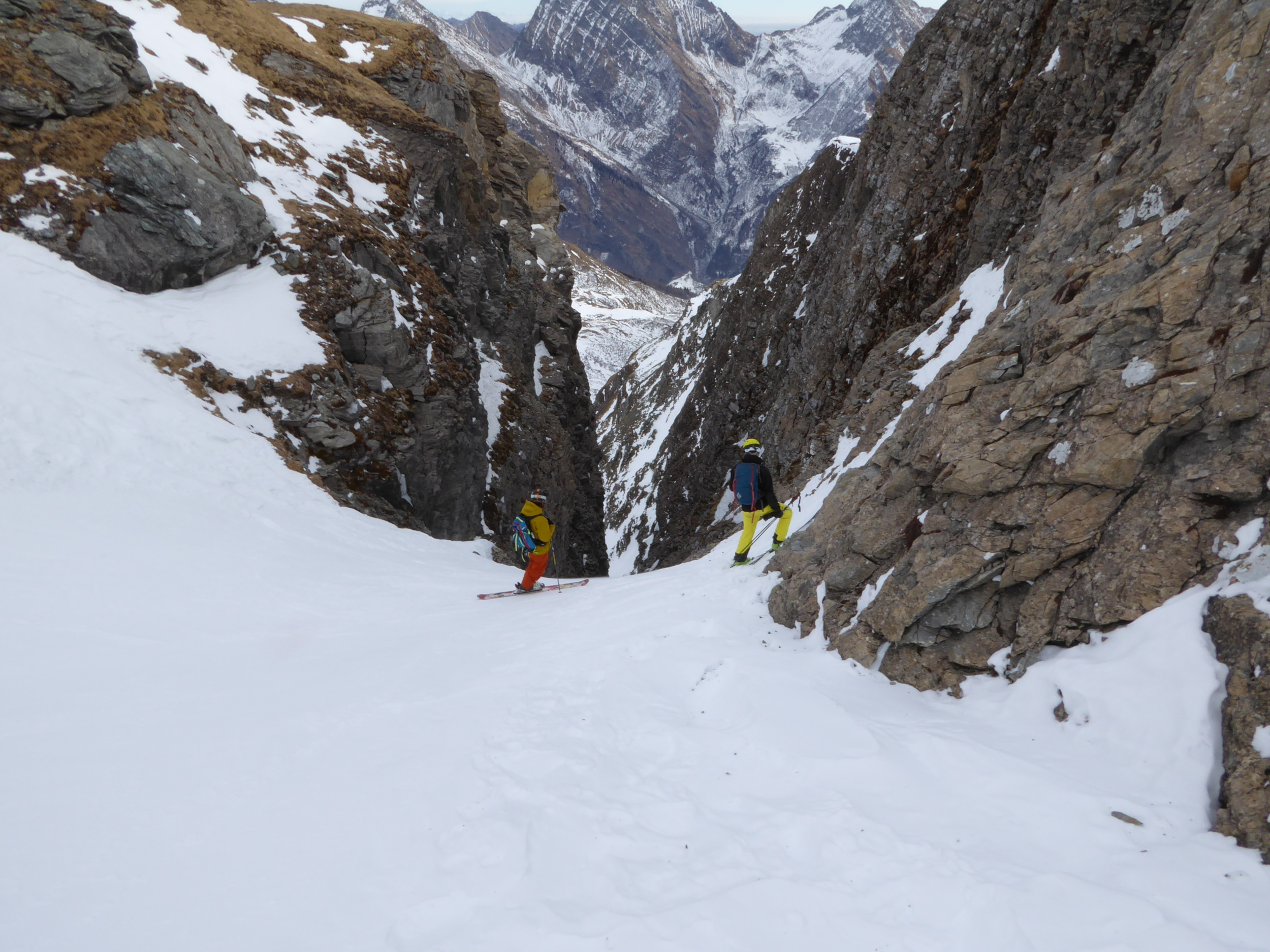 Looking down into the top of the couloir from the photo above