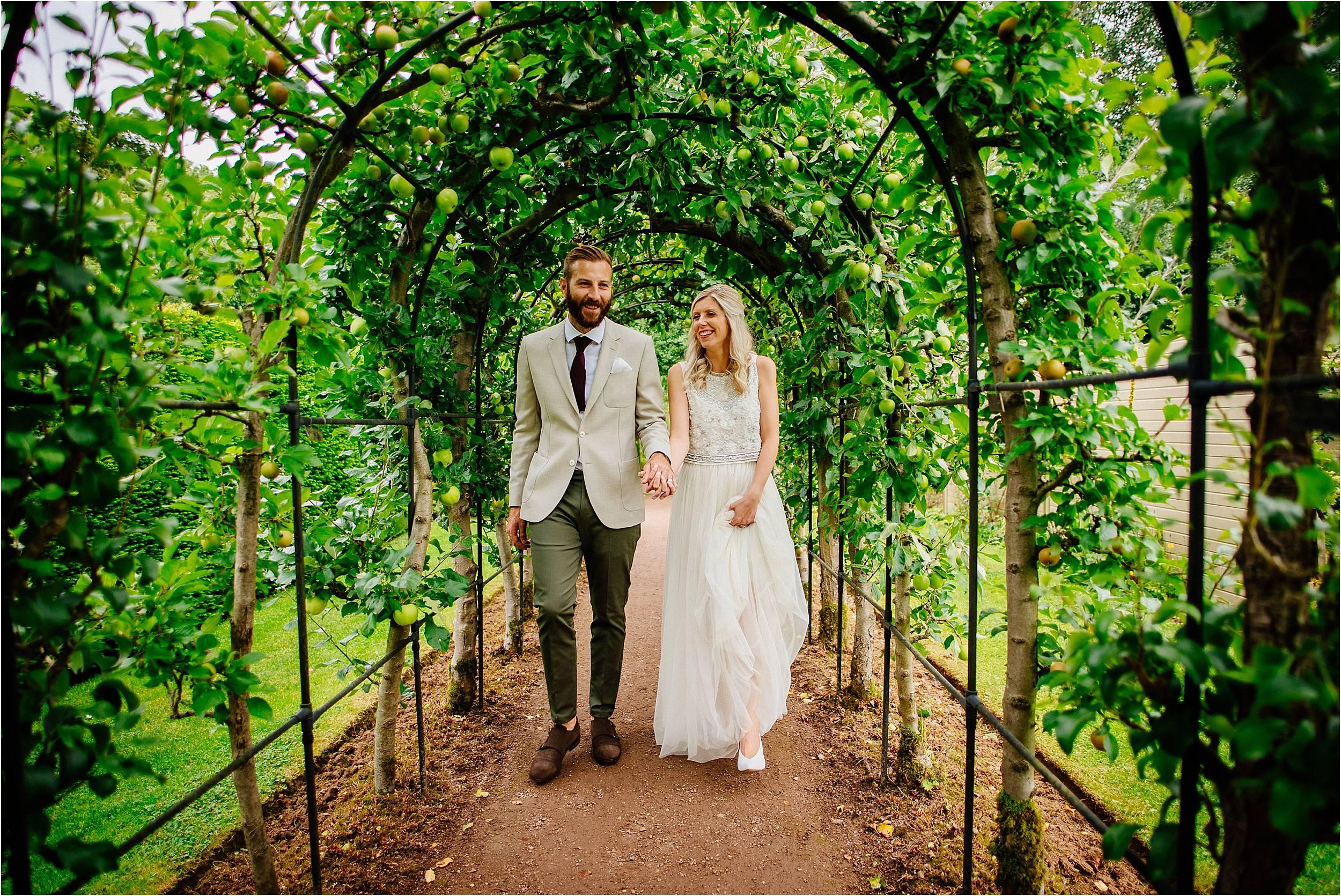 Barnsdale Gardens Wedding Photographer_0072.jpg