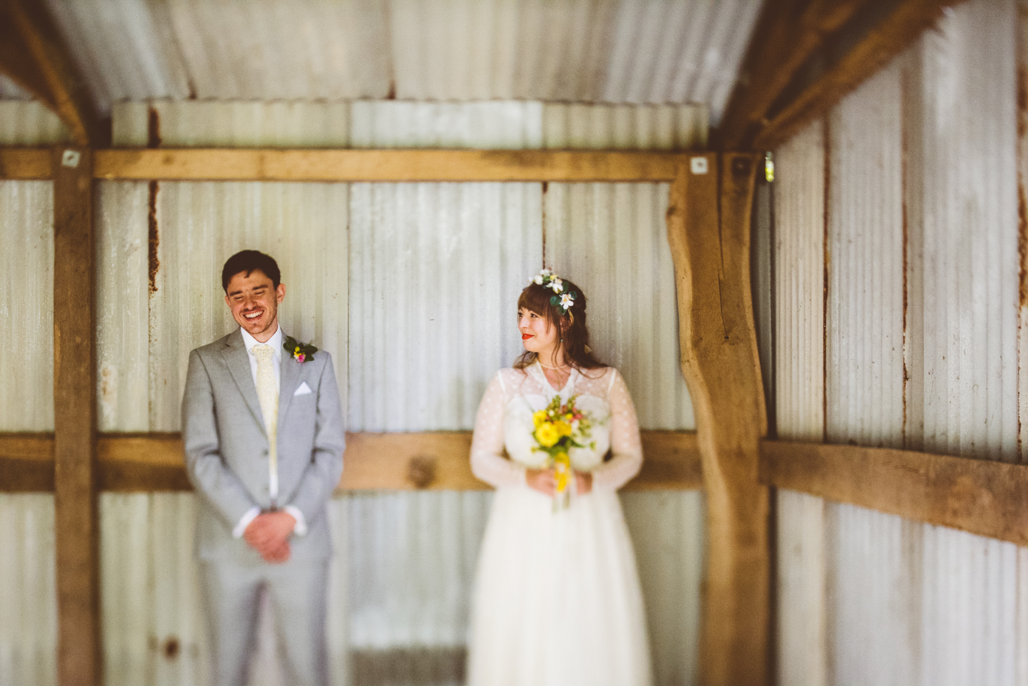Outdoor wedding photography in Gloucestershire - Hannah and Steve