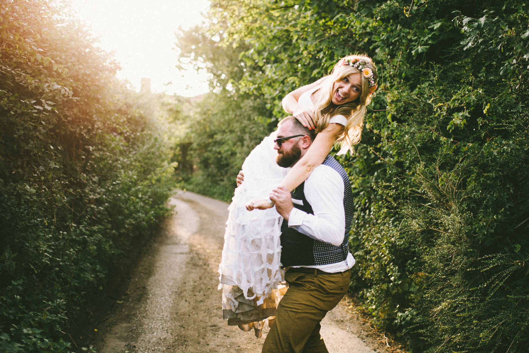 Oxfordshire wedding photography at the Crooked Billet Pub - Lou and Nick