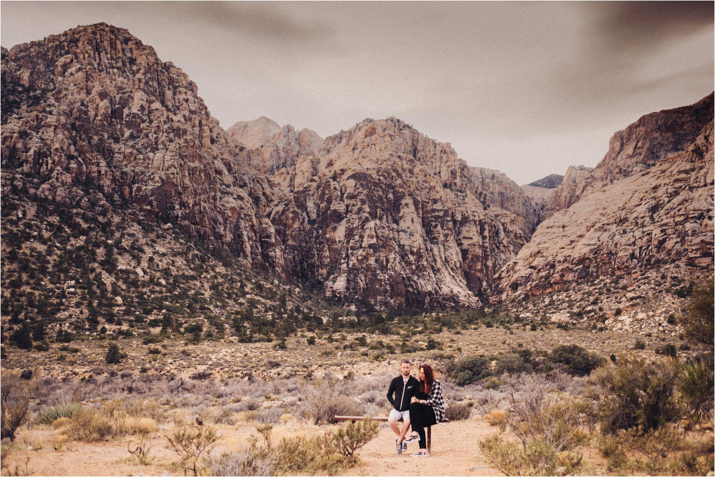Vegas elopement destination wedding photographer_0040.jpg
