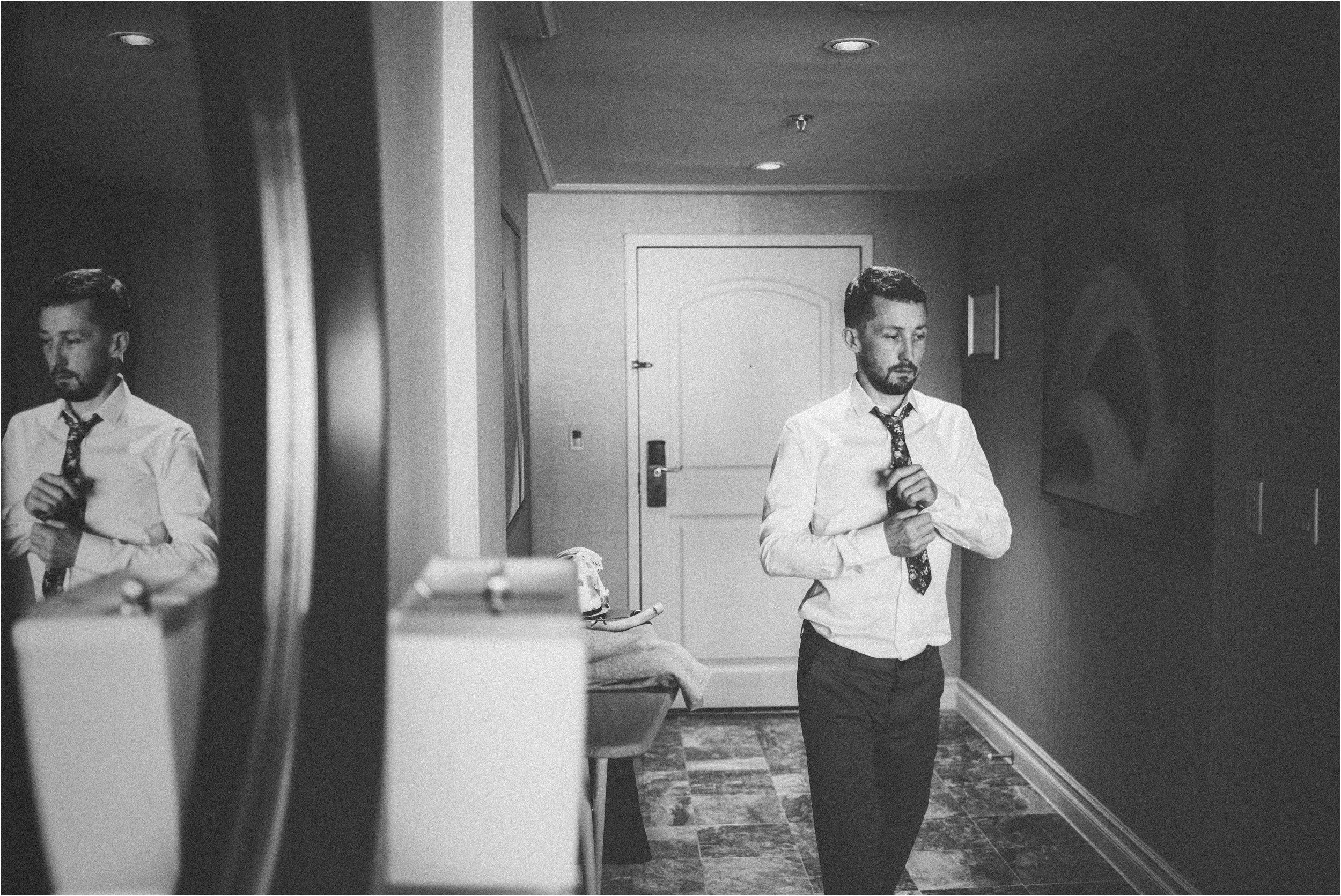 Vegas elopement destination wedding photographer_0073.jpg