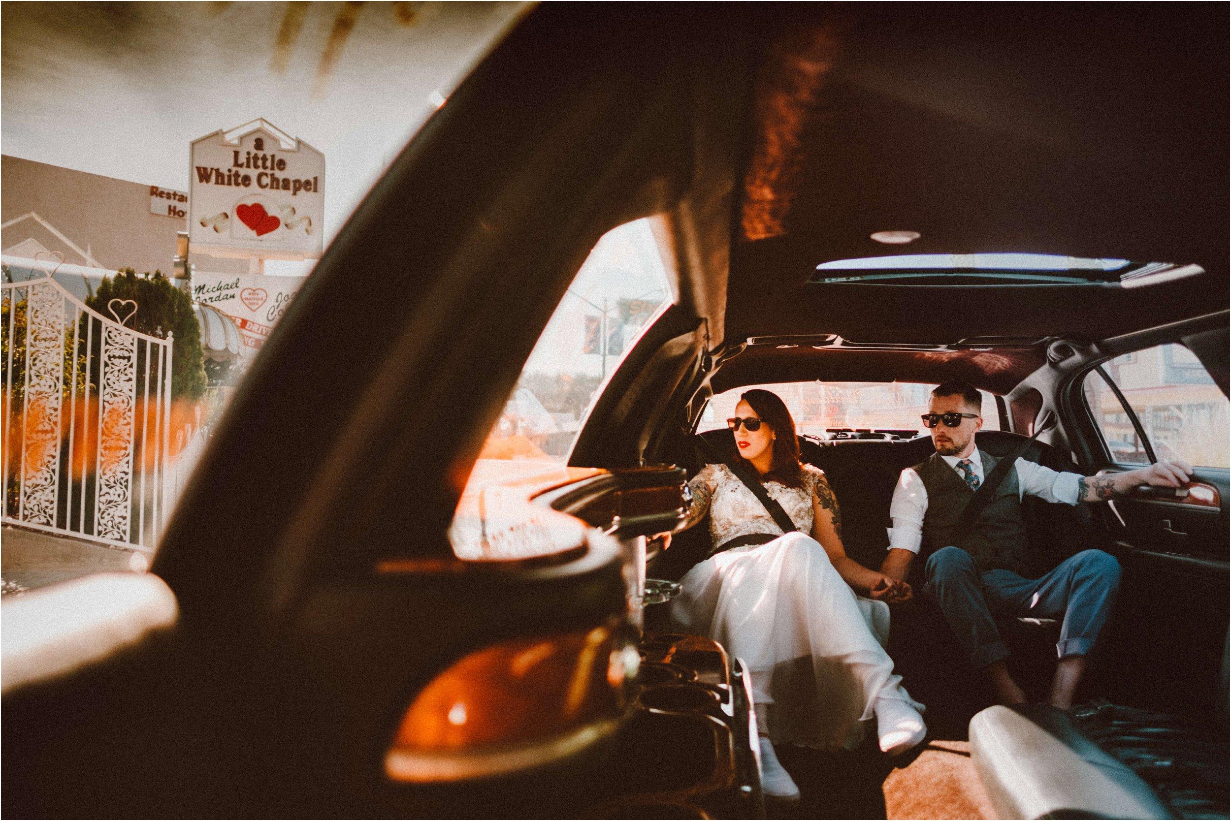 Vegas elopement destination wedding photographer_0085.jpg